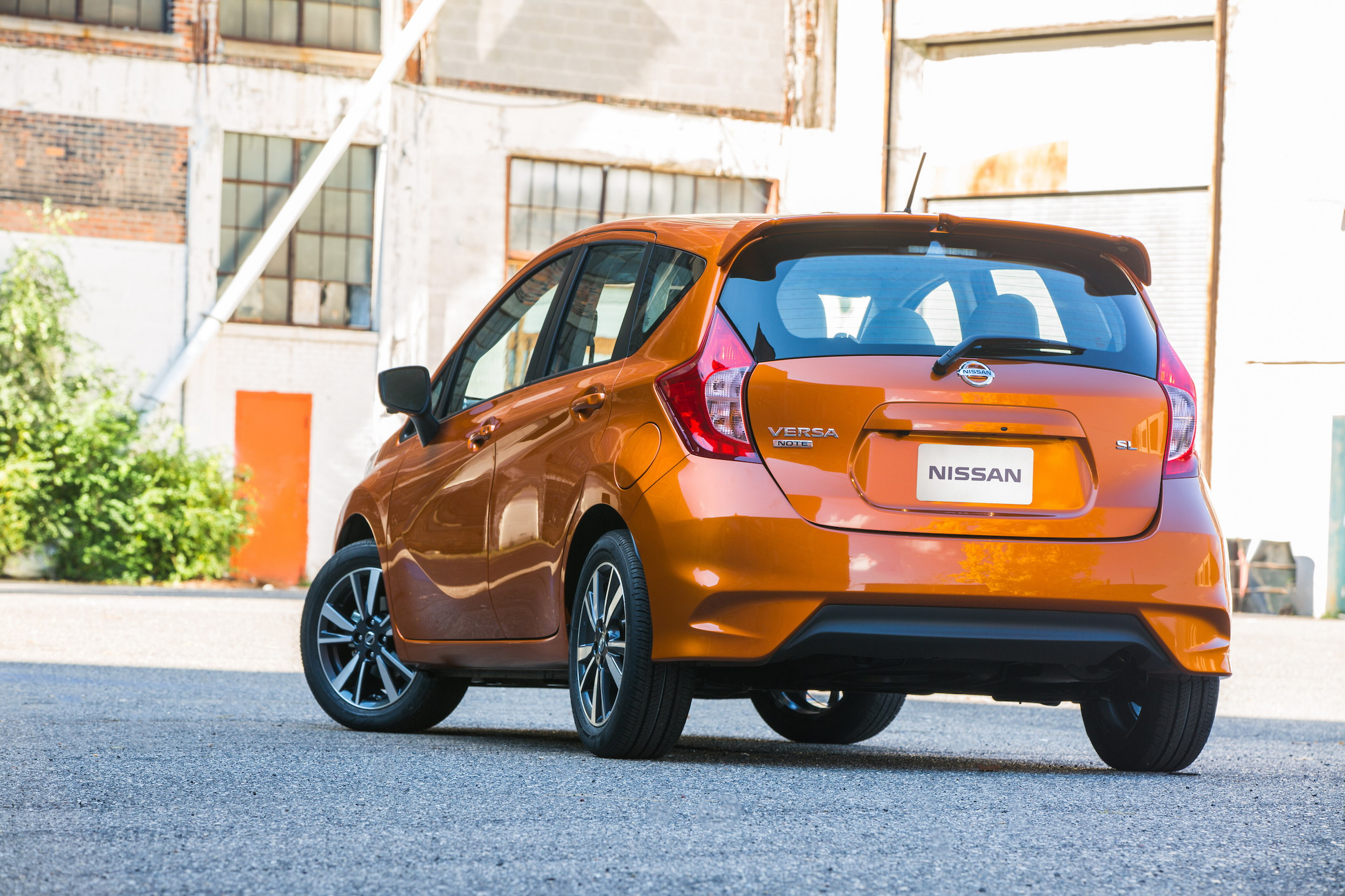 2017 nissan versa note review top speed. Black Bedroom Furniture Sets. Home Design Ideas