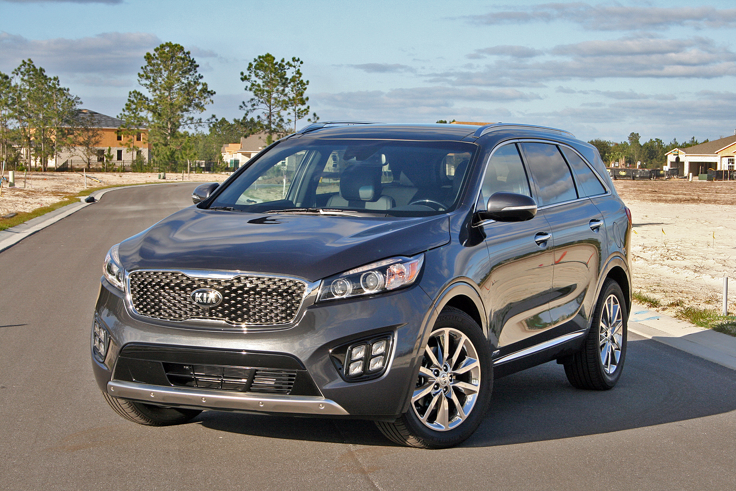 Kia Sorento: Changing a tire with TPMS