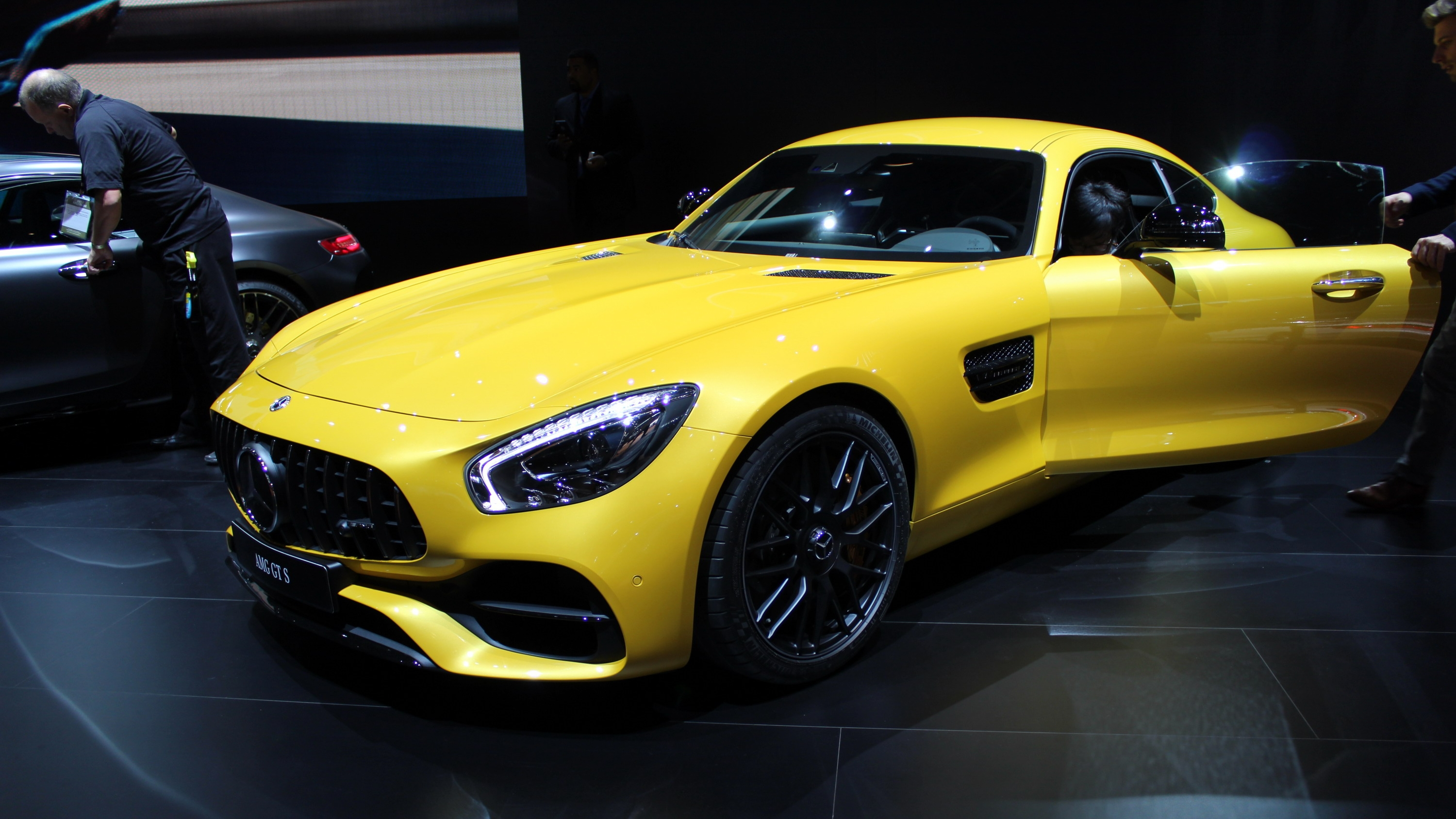 Mercedes Sls Amg Gt >> Mercedes-AMG Turns Up The Heat On Family Of GT Sports Cars | Top Speed