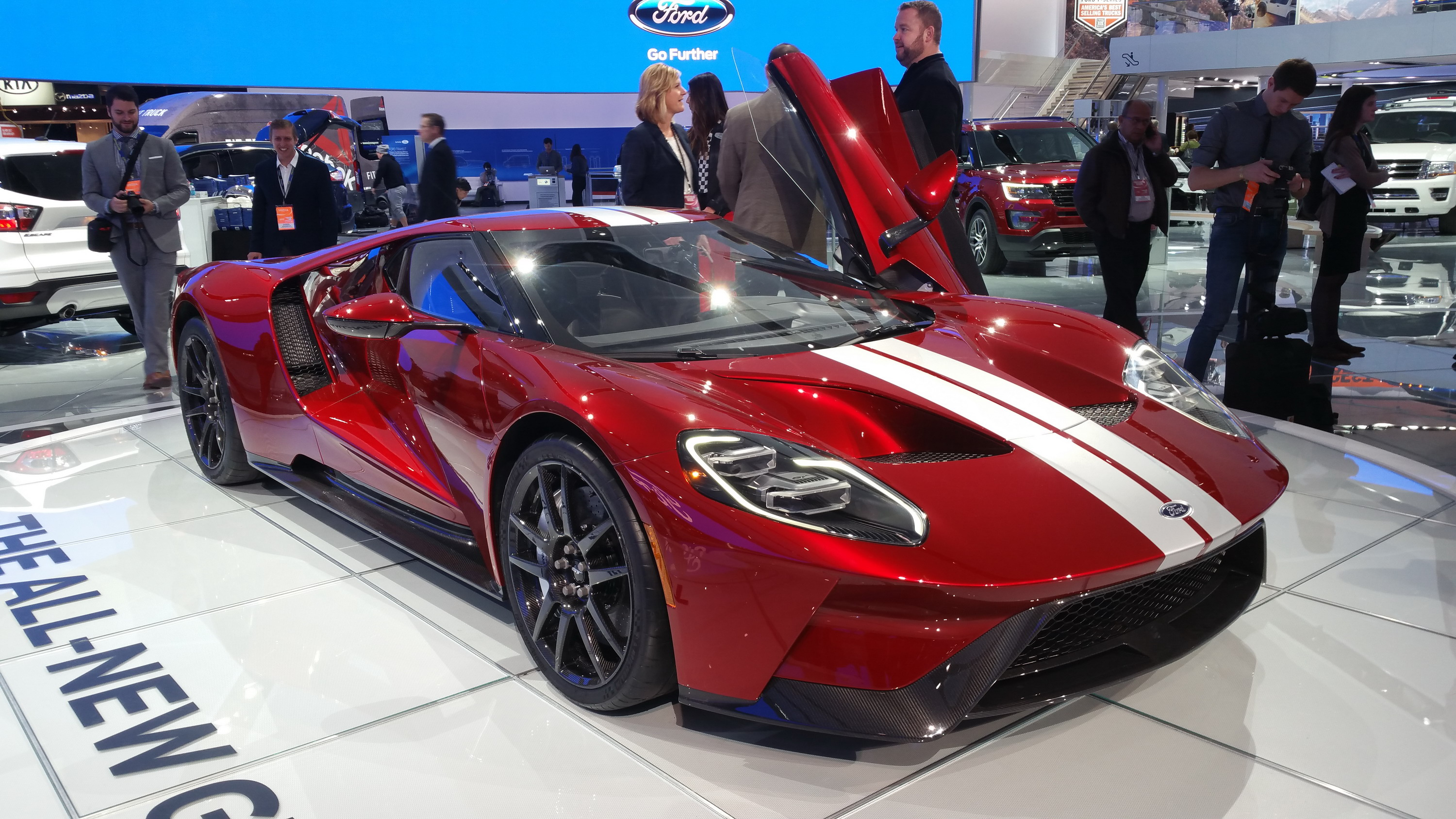 Spoiler Alert The New Ford Gt Supercar Is Not Fuel Efficient Top Speed
