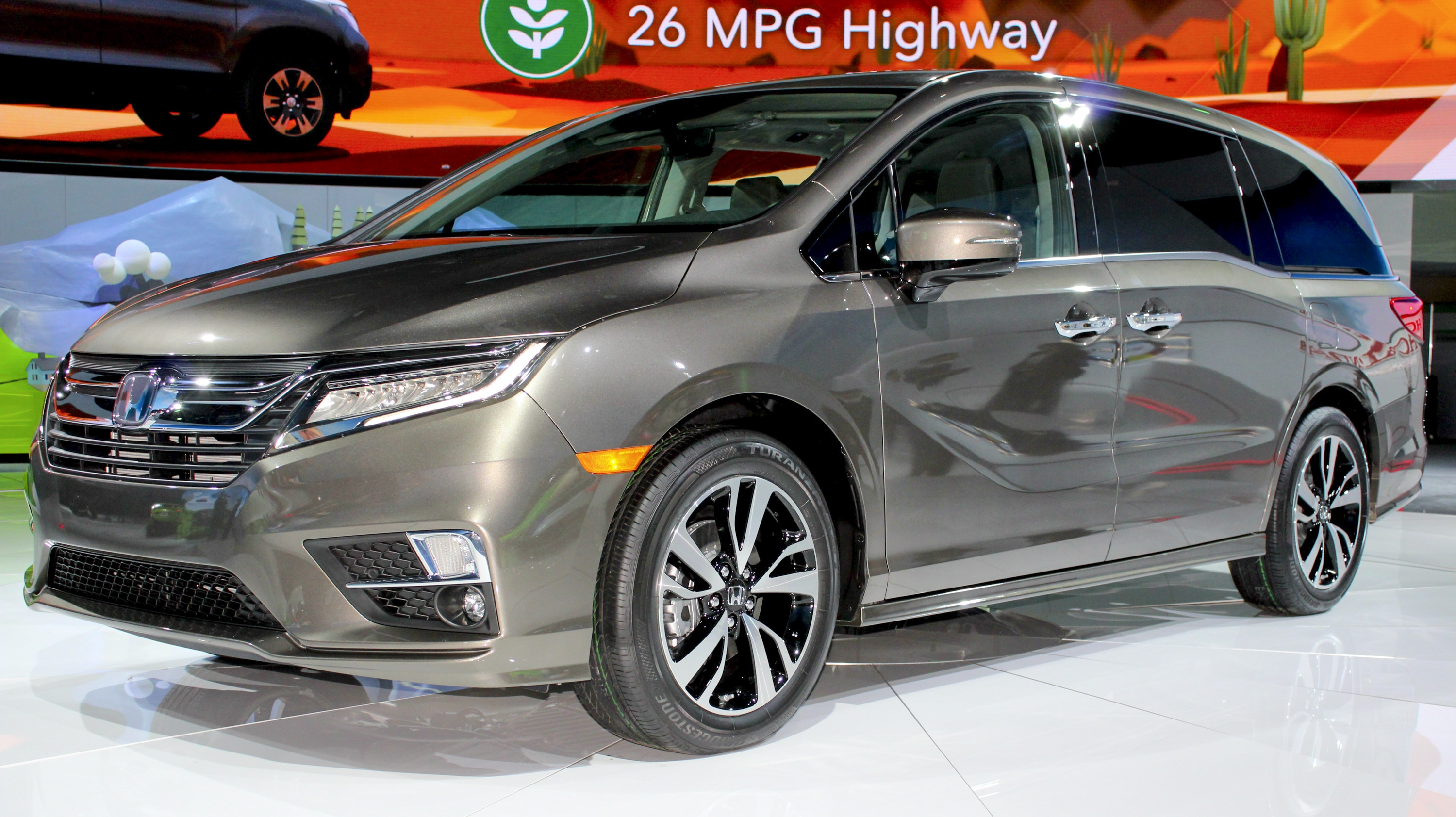The new honda odyssey stole the show from chevy in detroit for Detroit auto show honda odyssey