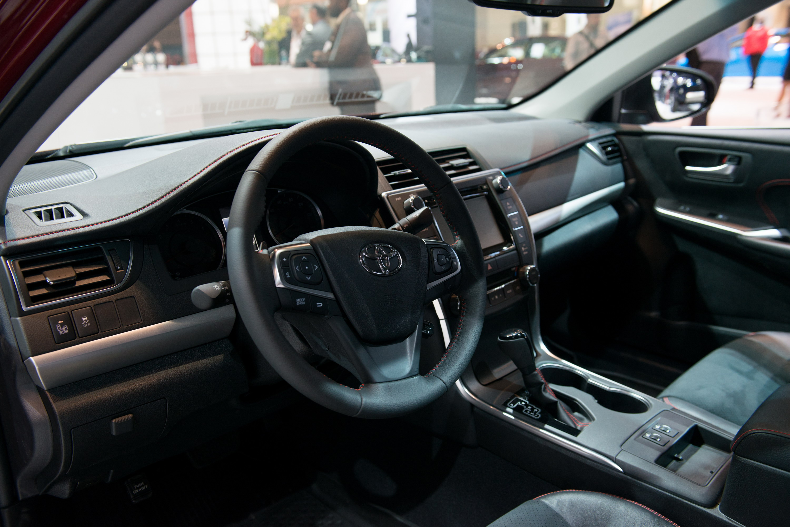 Toyota Camry: Changing shift ranges in S mode