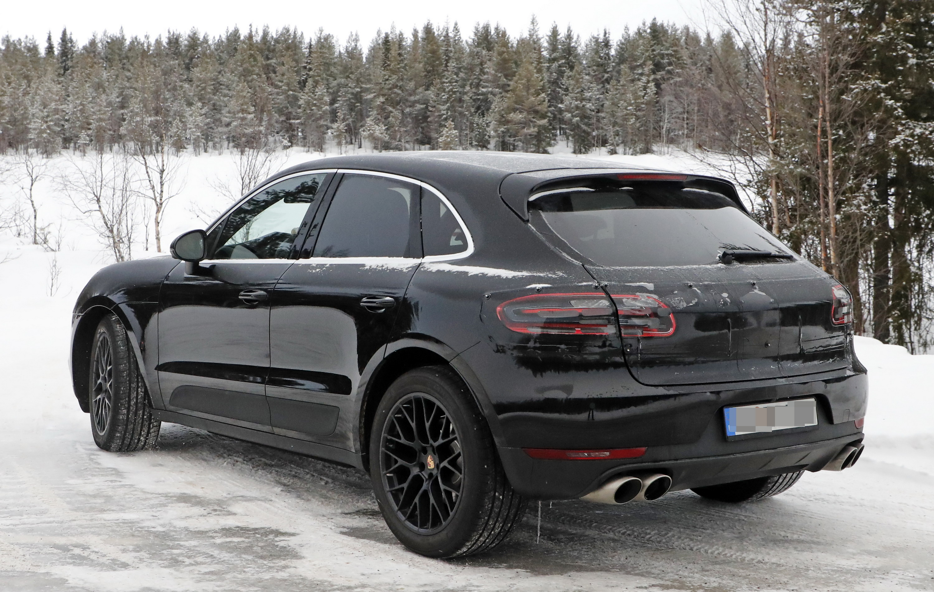 What S Under The Hood Of The 2019 Porsche Macan It S Not A Diesel