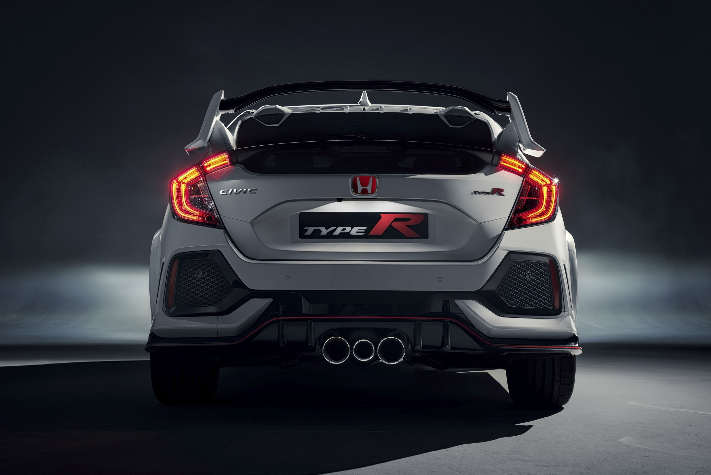 Hot Hatch Shakedown U2013 Honda Civic Type R Vs. Ford Focus RS Guide   Top  Speed. »