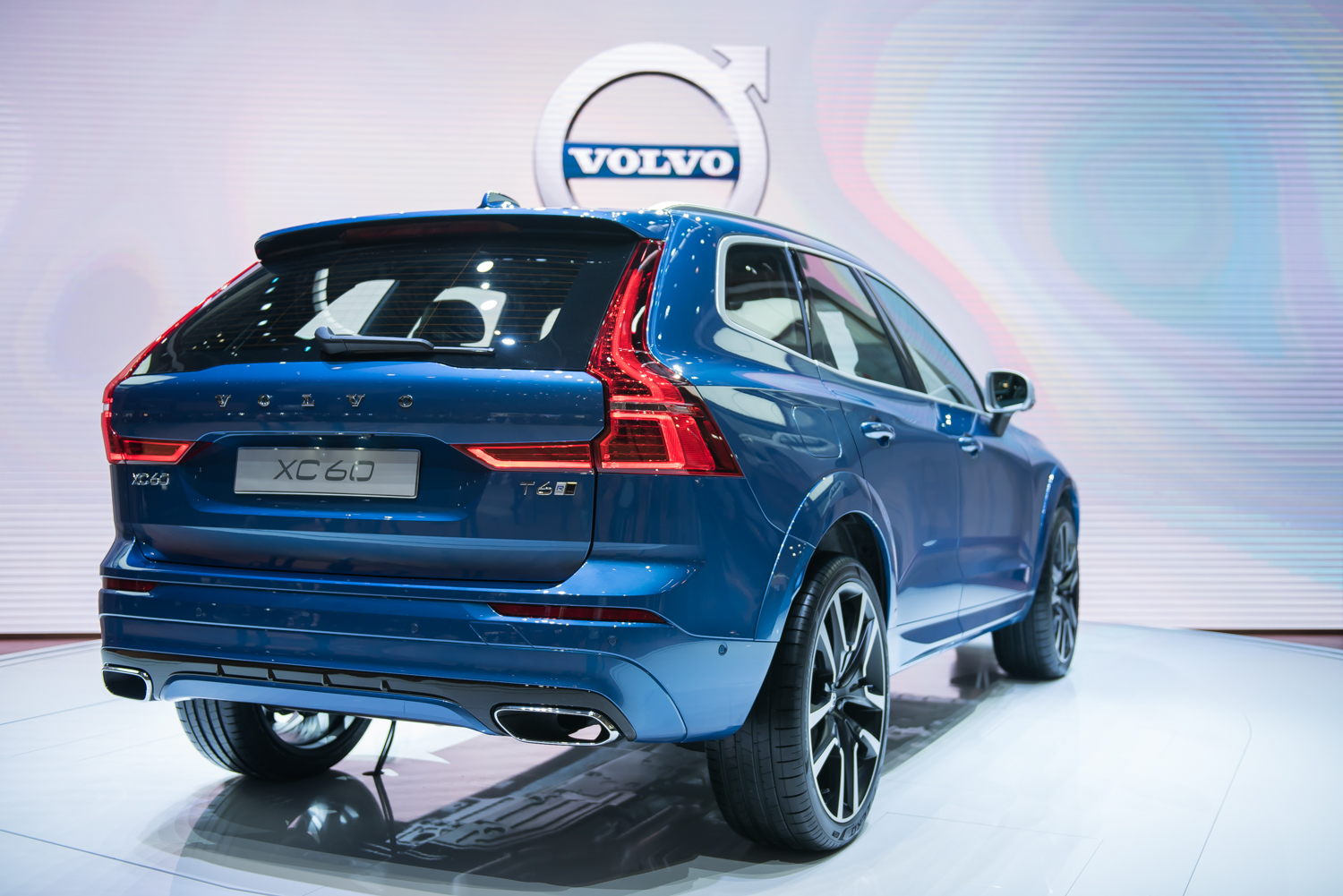 2018 volvo xc60 review top speed. Black Bedroom Furniture Sets. Home Design Ideas