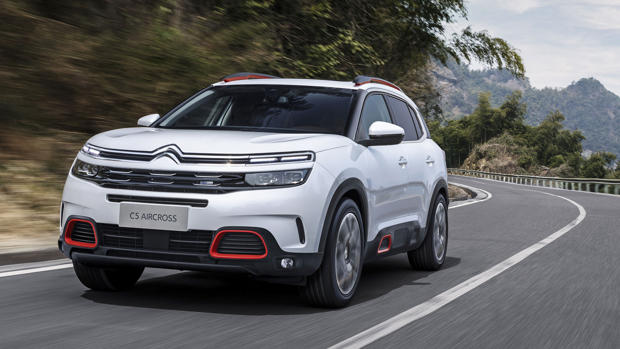 citroen c5 aircross bows in china comes to europe in 2018 top speed. Black Bedroom Furniture Sets. Home Design Ideas