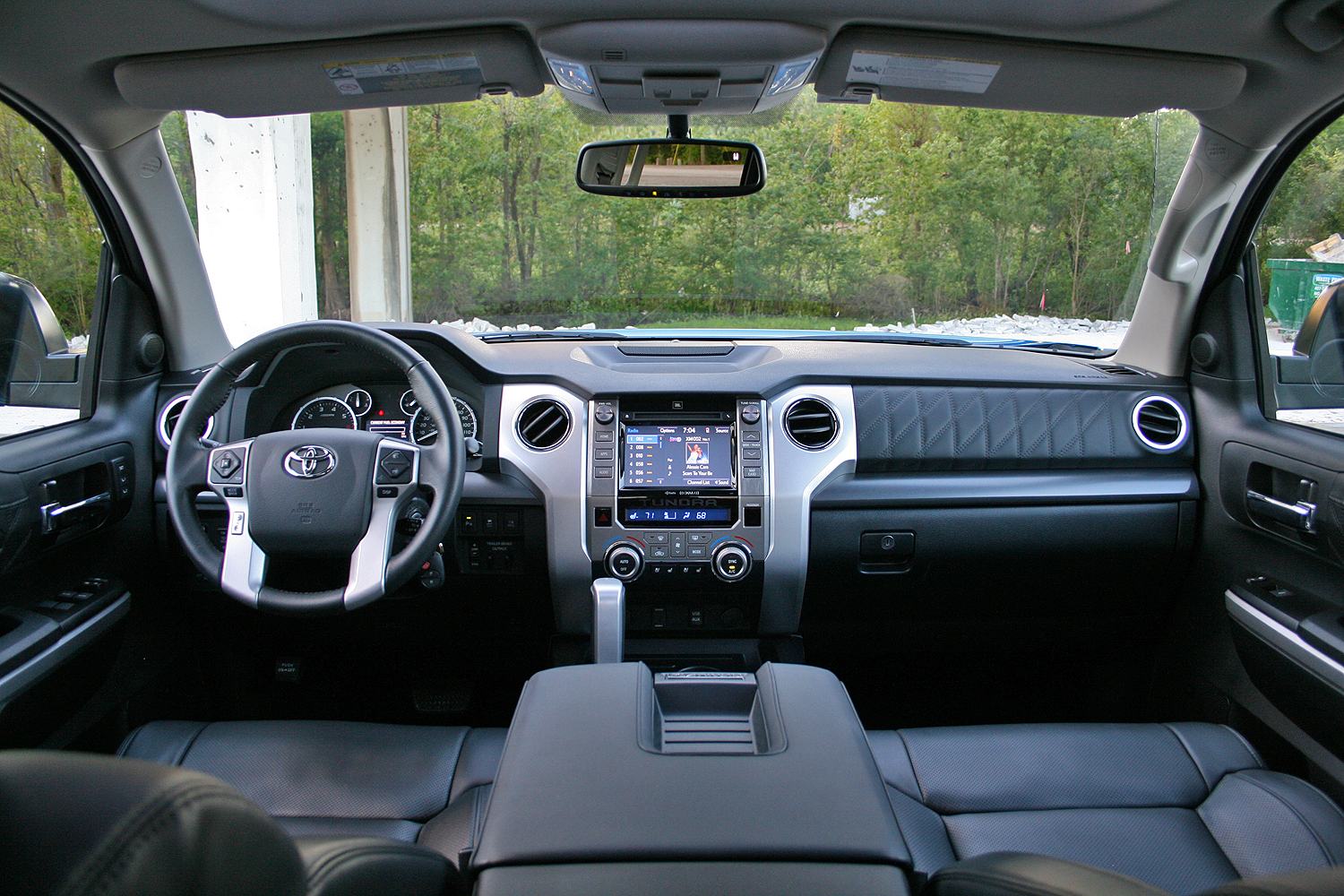 2017 toyota tundra platinum driven top speed