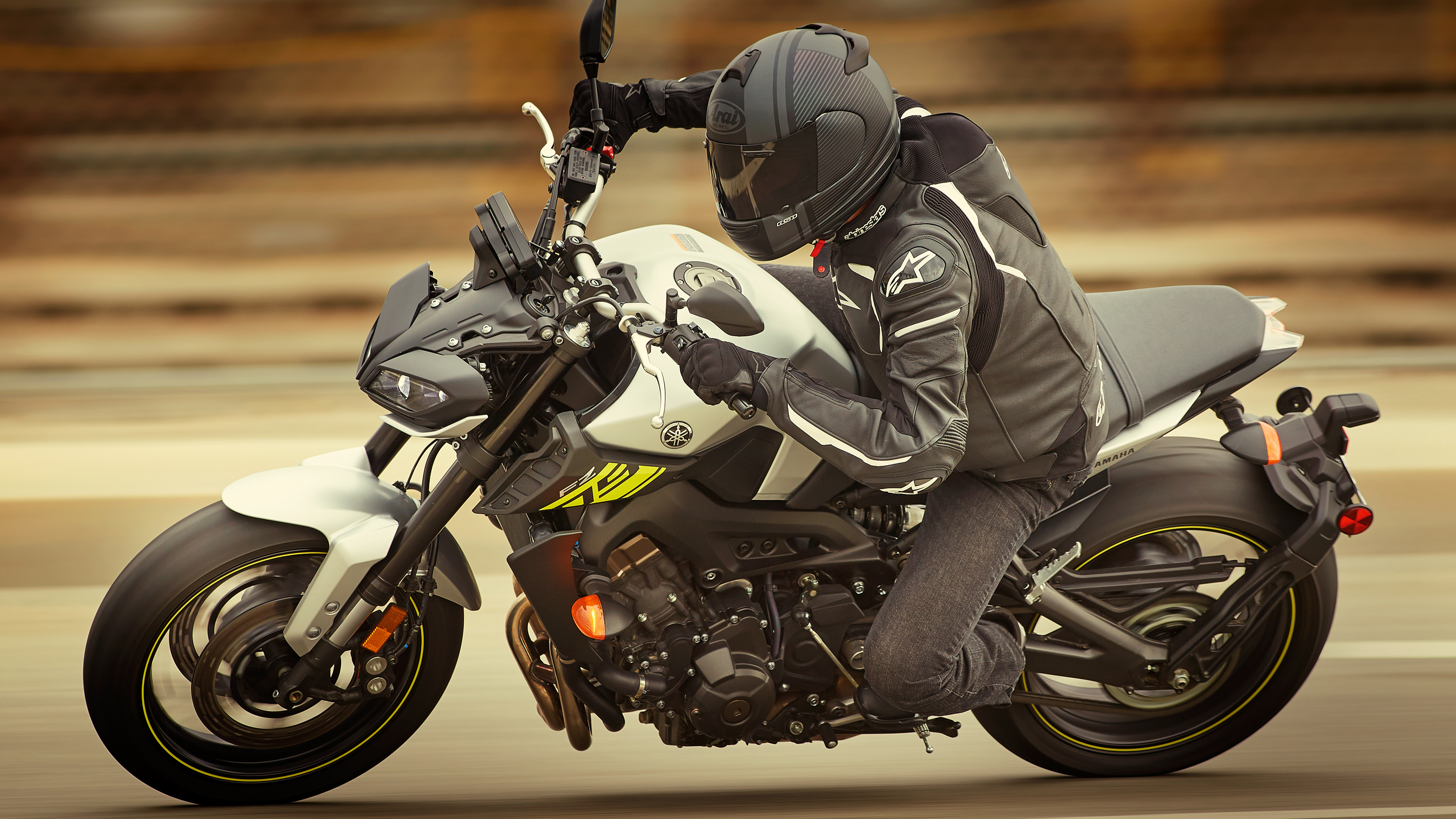 2017 Yamaha Grizzly >> 2017 Yamaha FZ-09 Pictures, Photos, Wallpapers.   Top Speed