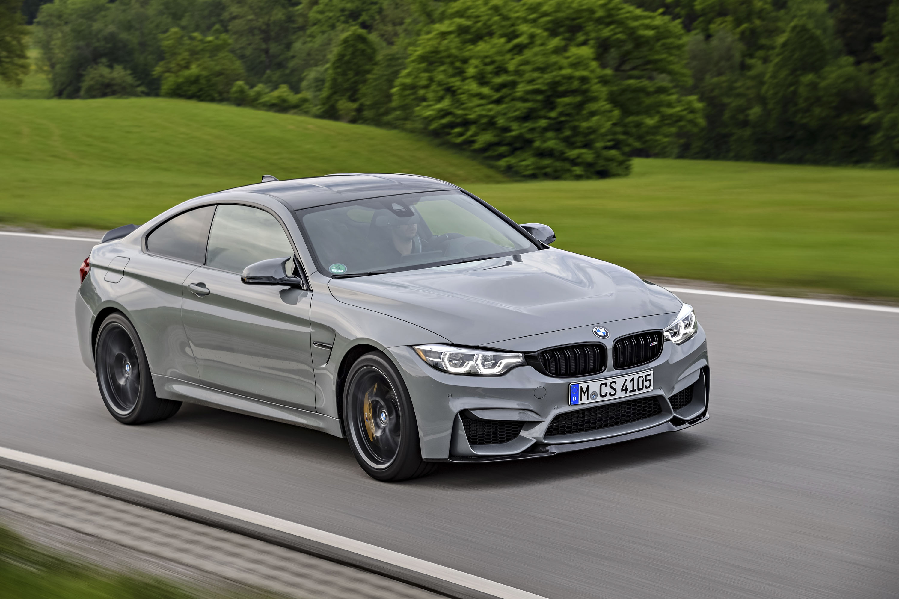 Watch A Bmw M3 Competition Take On A Bmw M4 Cs Top Speed