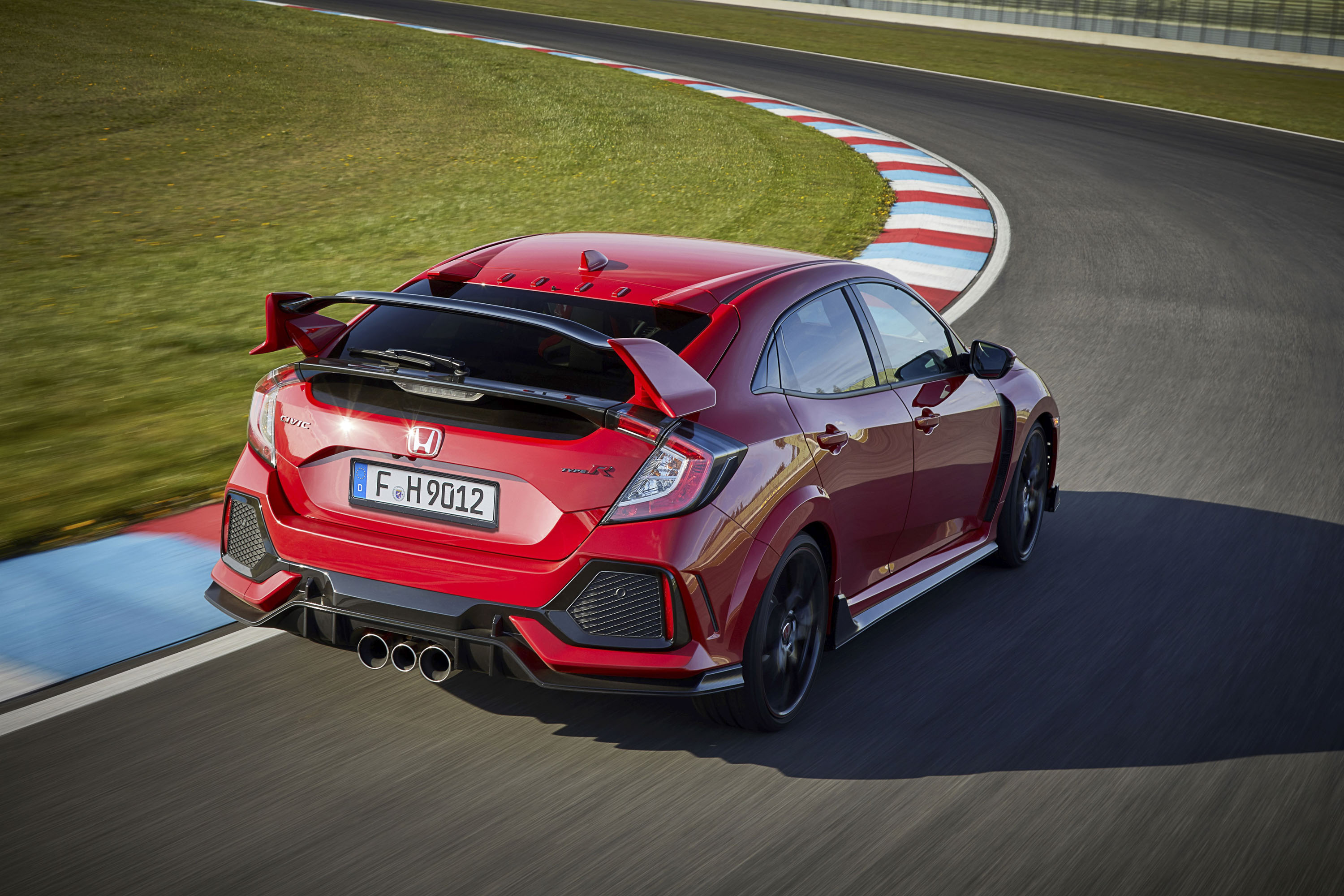 What Makes A Civic Type R? | Top Speed. »