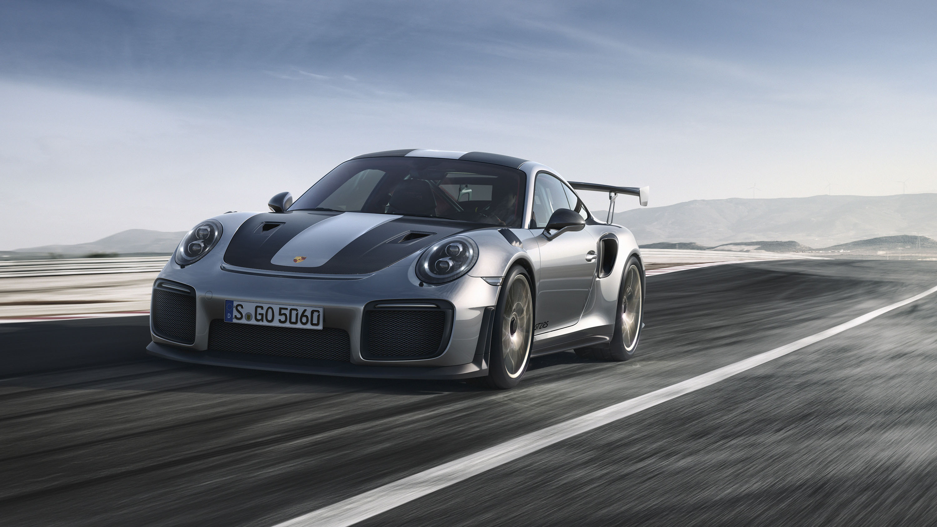 Watch The Porsche 911 Gt2 Rs Mr Become The Fastest Road Legal Car To Tackle The Nurburgring Top Speed