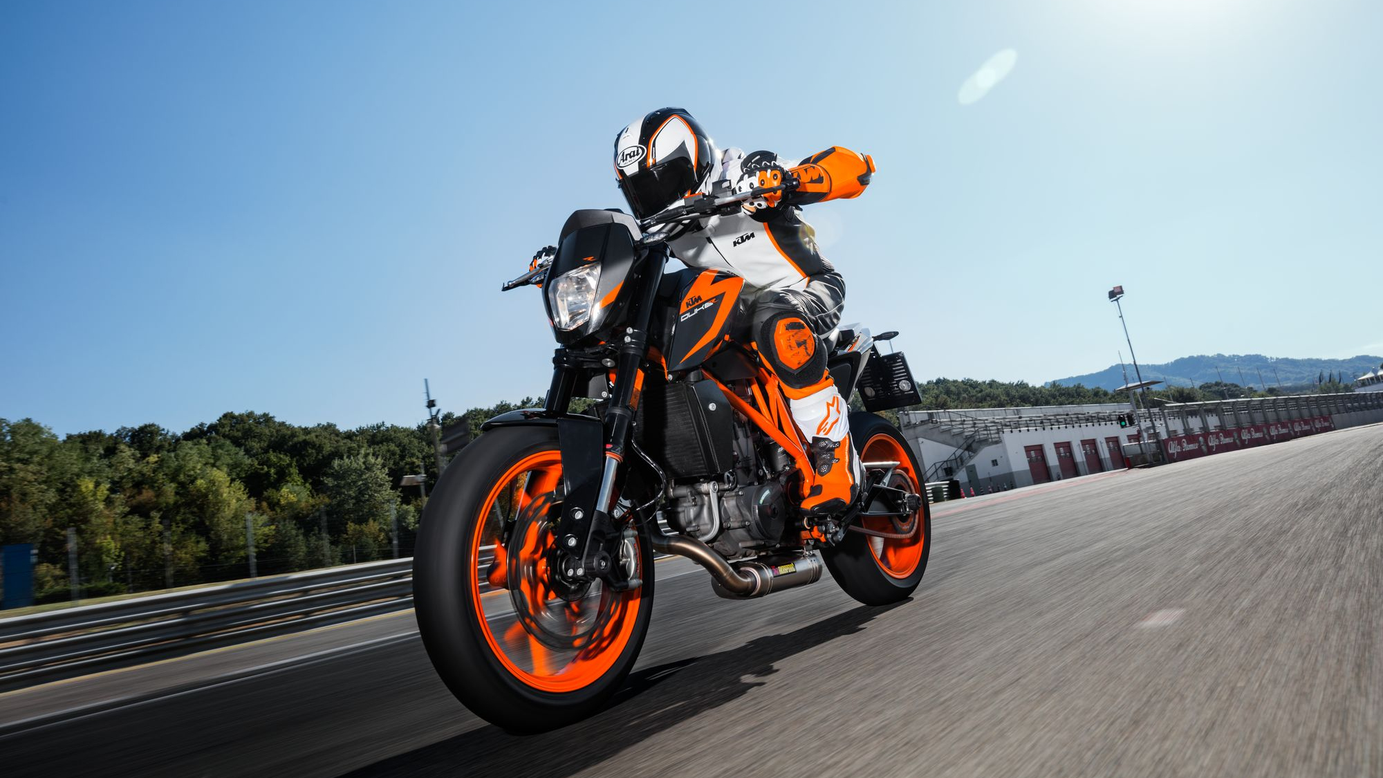 2015 2017 Ktm 690 Duke Abs Pictures Photos Wallpapers Top Speed