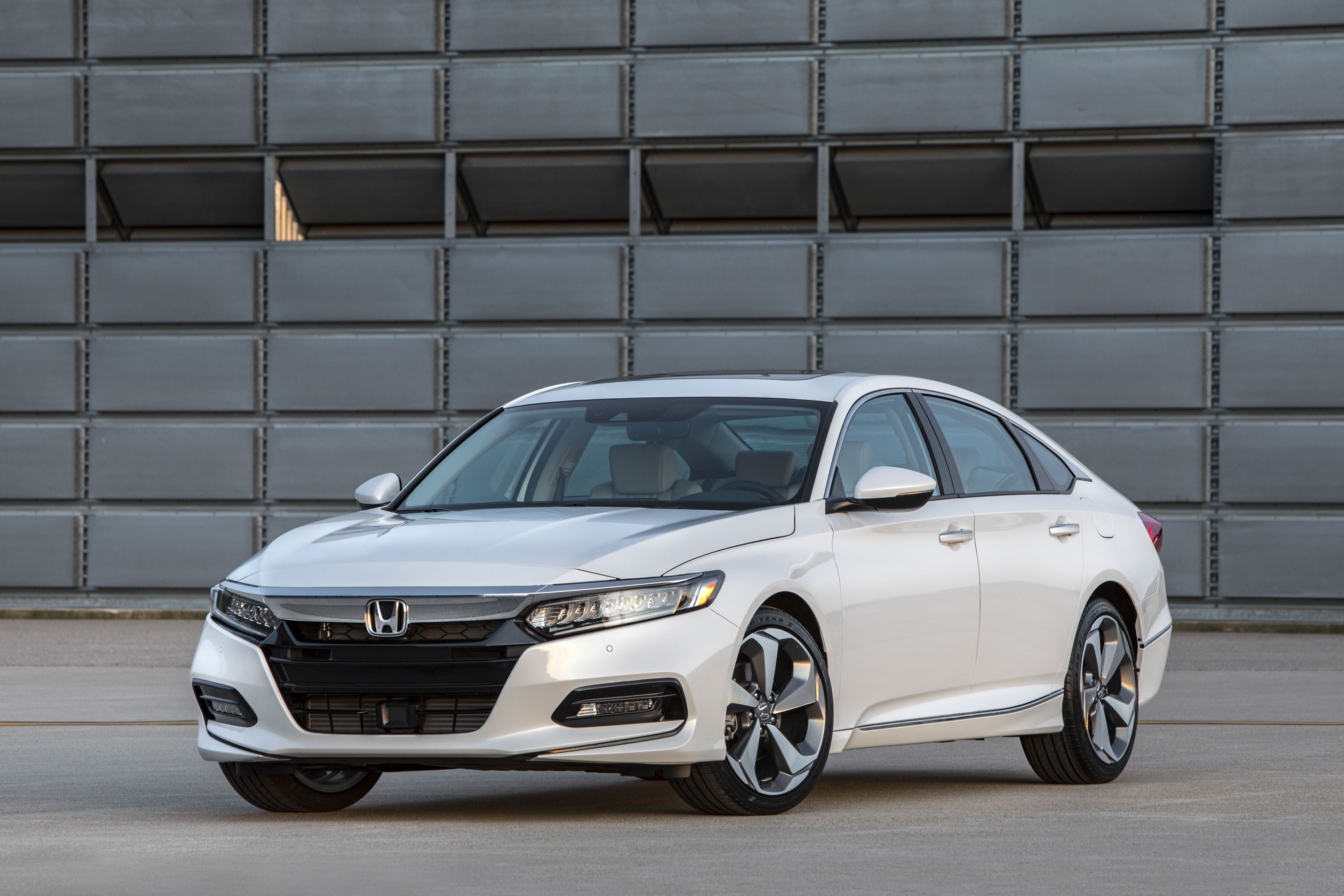 The Honda Accord Gives Us Some Mixed Feelings Top Speed - 2018 acura tsx front grill