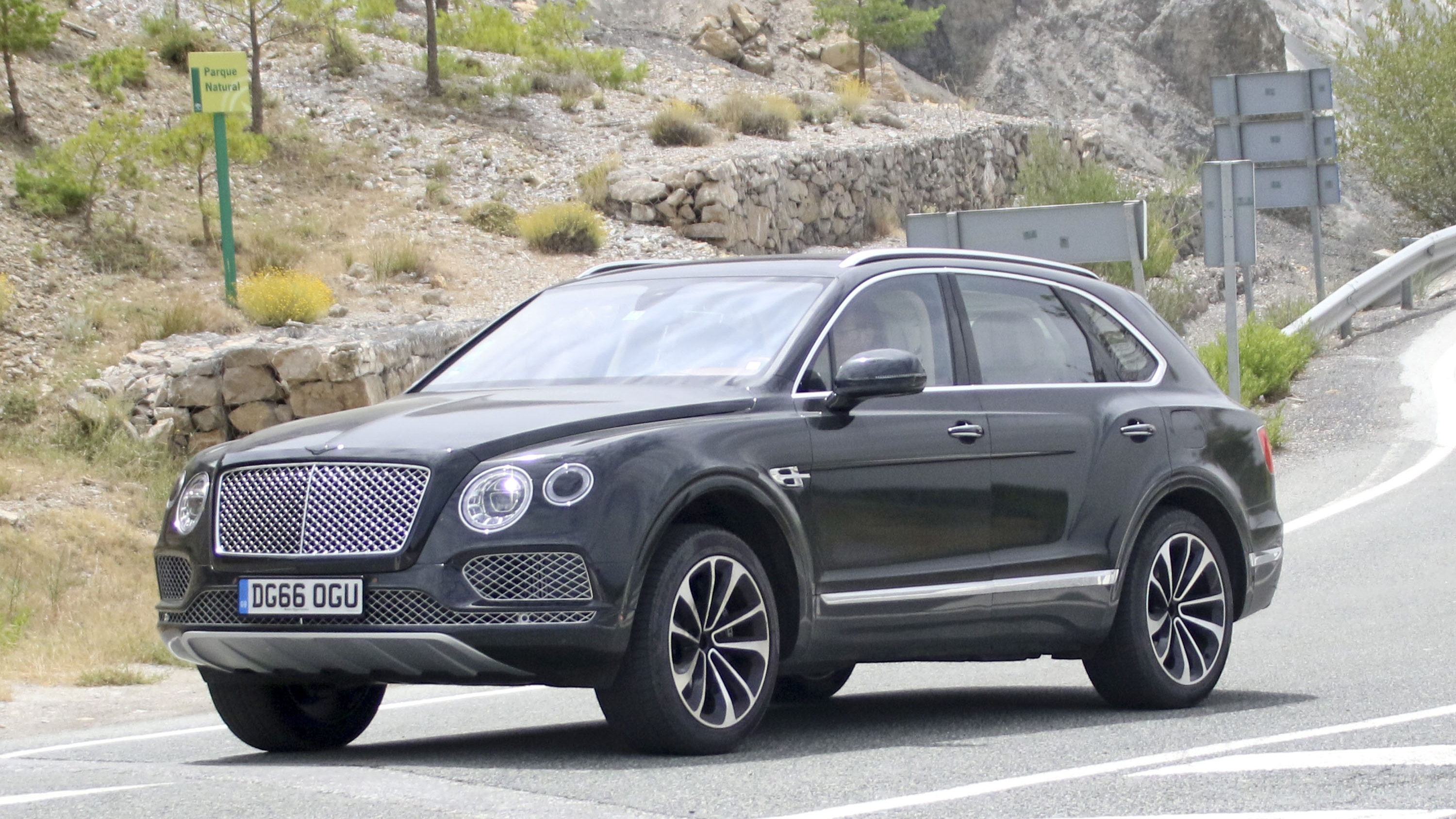 2019 Bentley Bentayga Plug In Hybrid