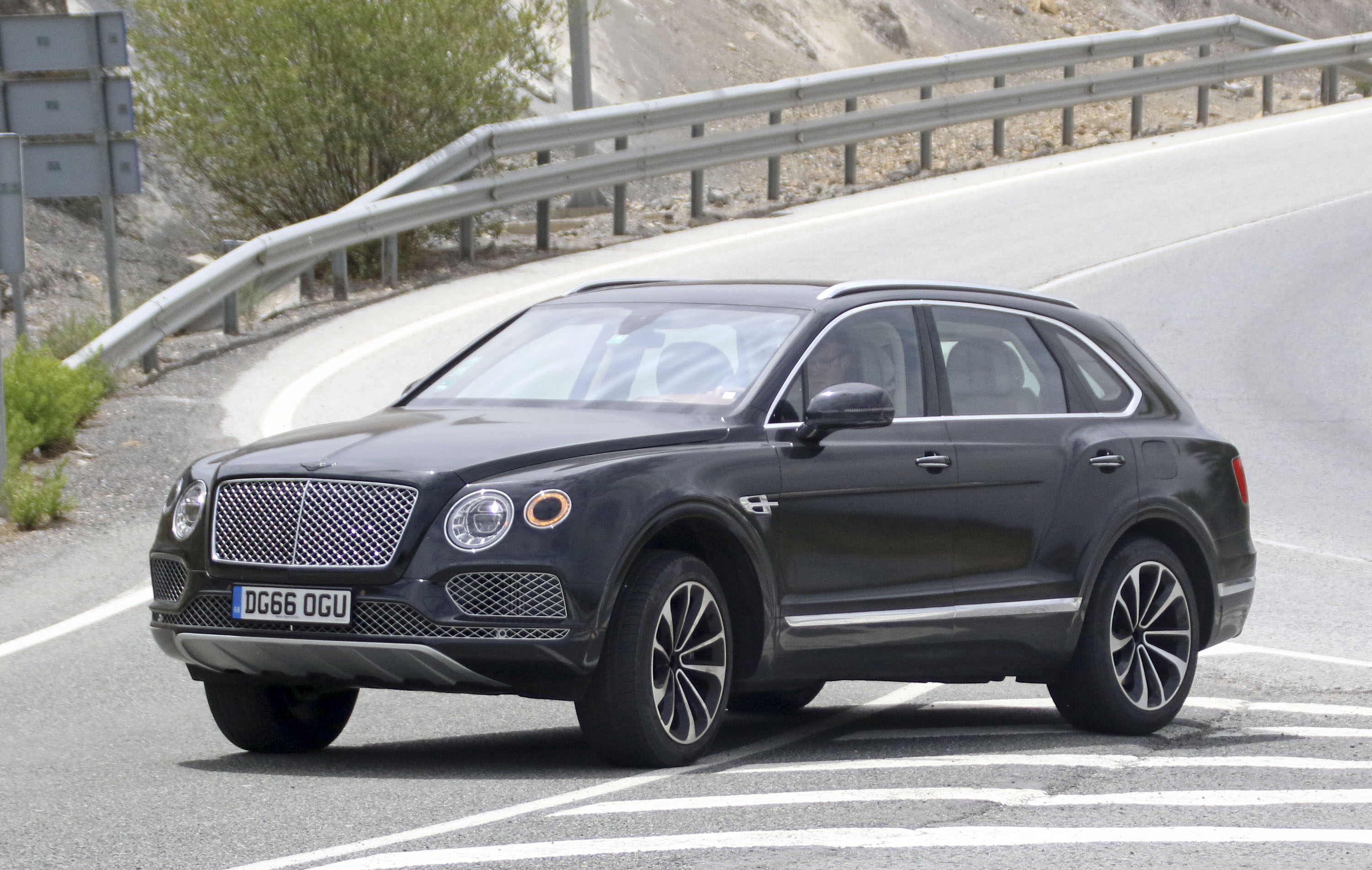 jeep review new reviews bentley silver bentayga top gear car
