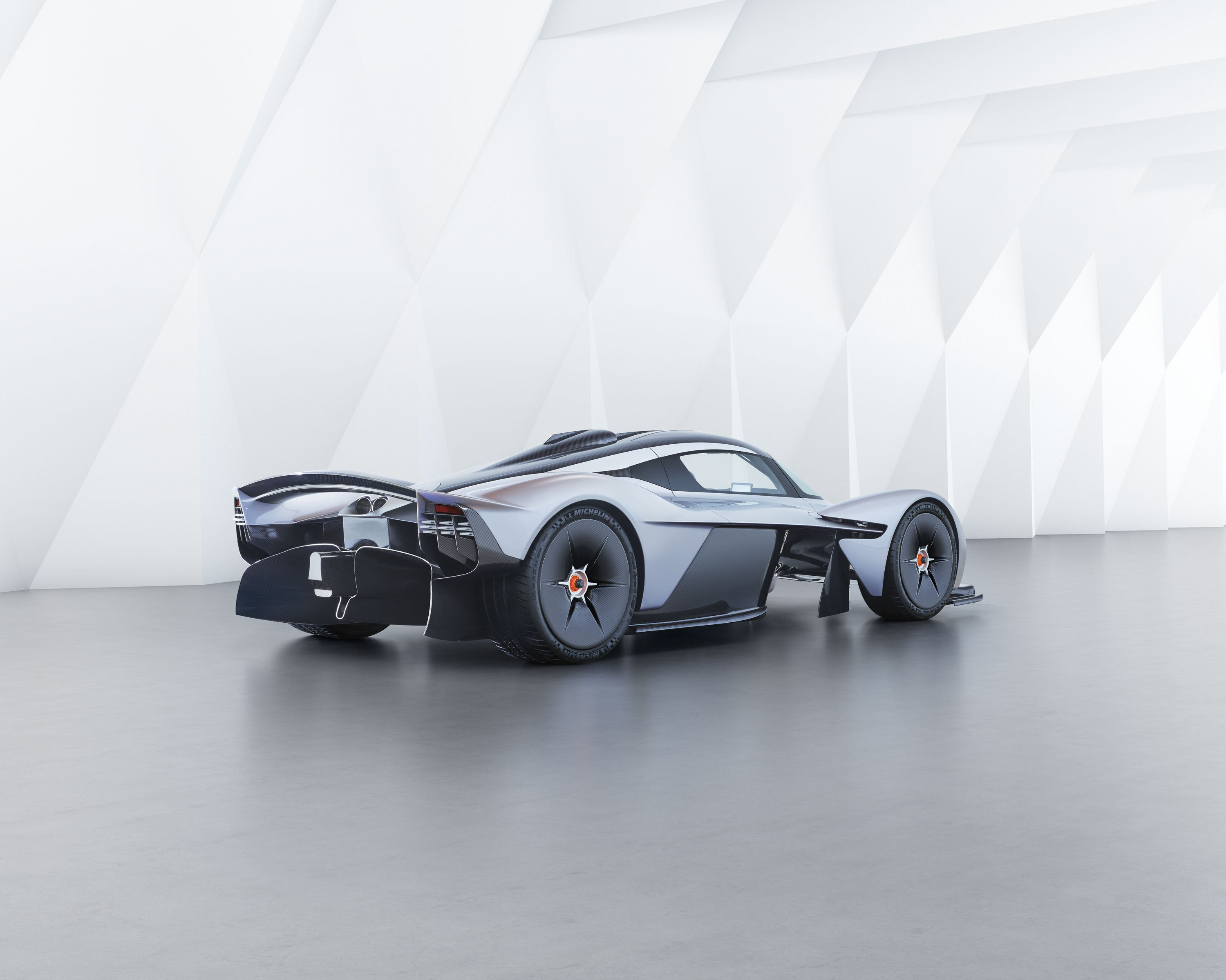 2018 aston martin valkyrie | top speed