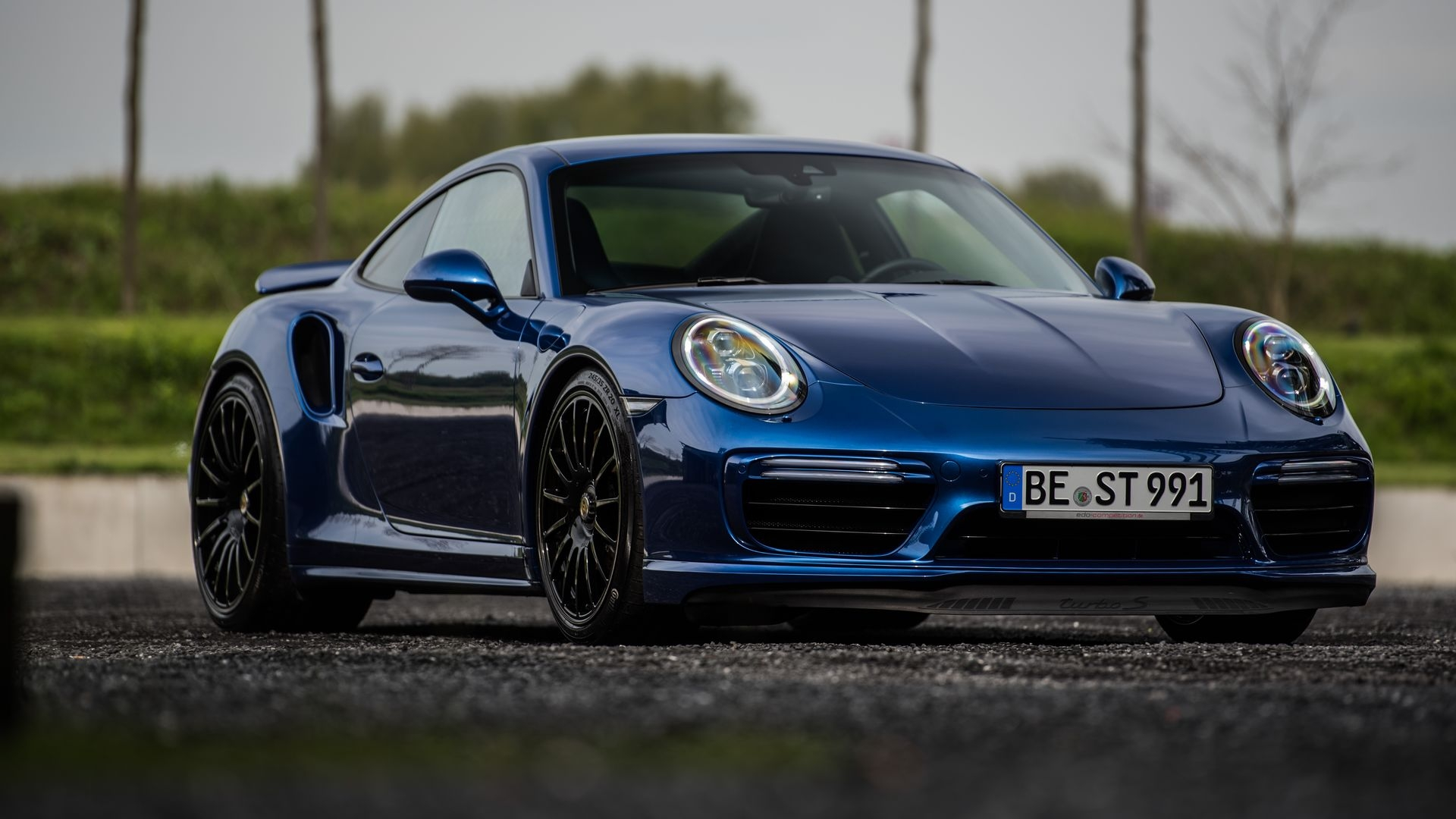 2017 porsche 911 turbo s blue arrow by edo competition review gallery top speed. Black Bedroom Furniture Sets. Home Design Ideas