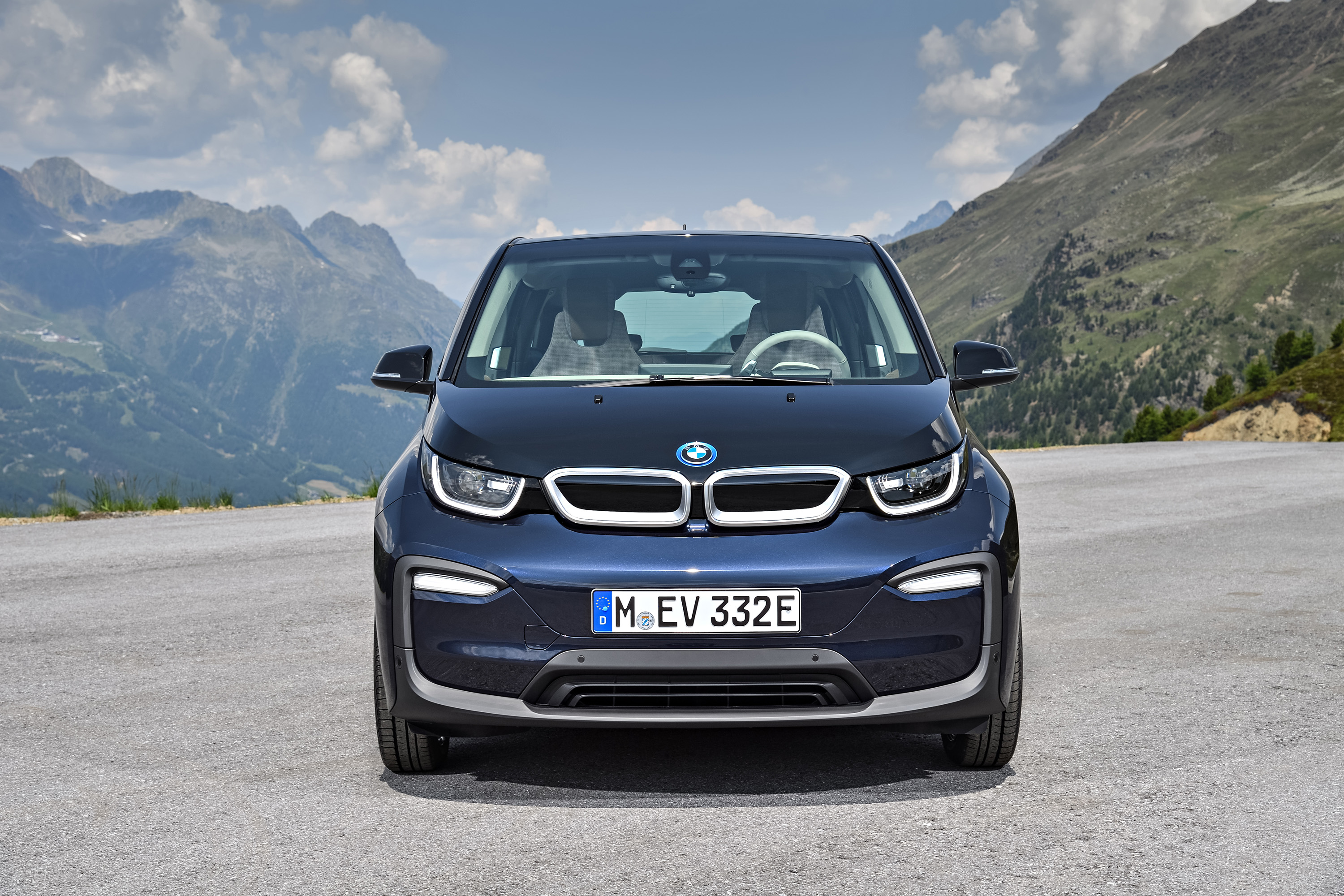 editor like in at electric com cars suv highres staging attitude car drive q s price plenty electrified offers bmw xdrive to first the a amazonaws new url