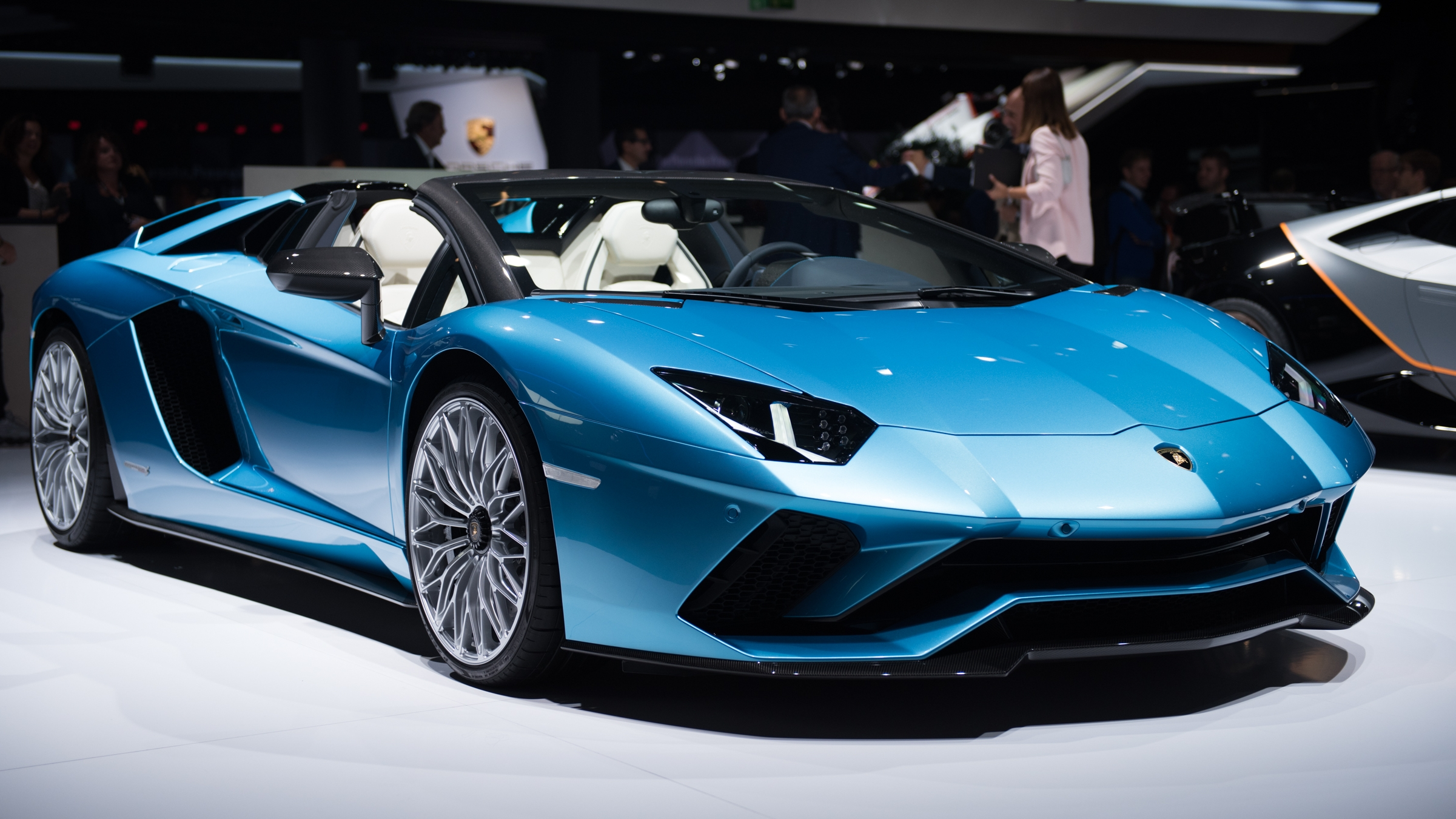 2018 lamborghini aventador s roadster review gallery top speed. Black Bedroom Furniture Sets. Home Design Ideas