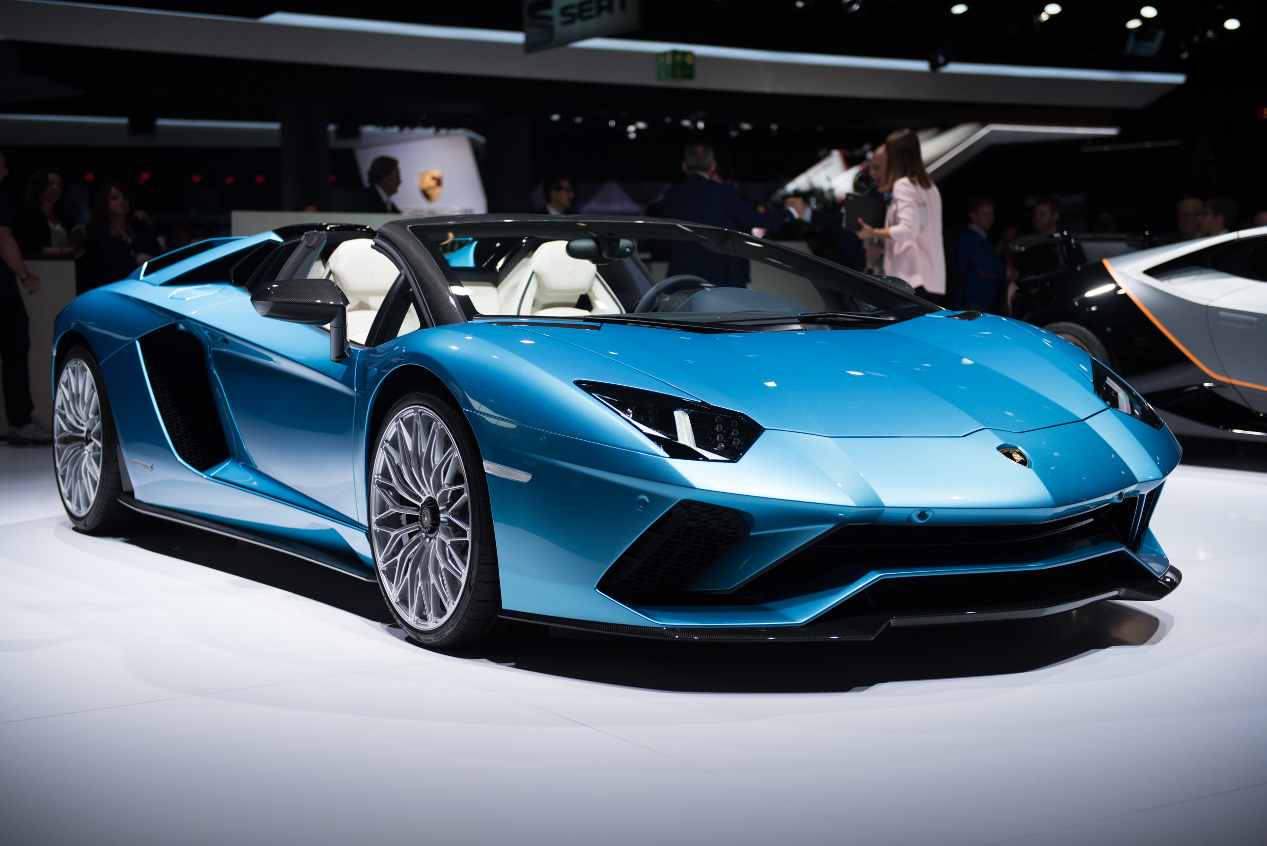 2018 lamborghini aventador s roadster | top speed