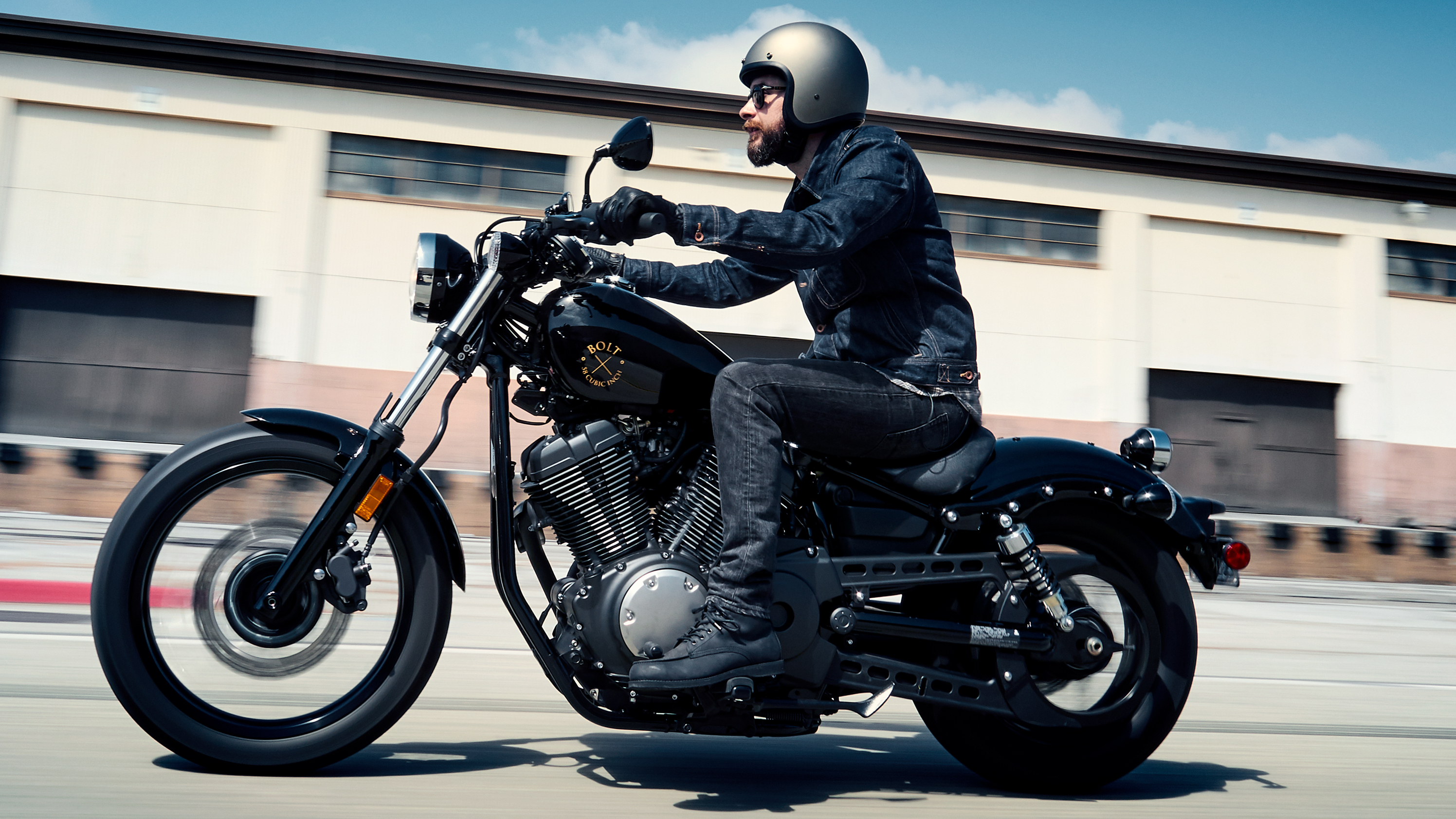 As Yamahas Made In The US Cruiser Line Star Shows Its Stuff With 2018 Lineup Bolt Continues That Classic Bobber Style High Tank And