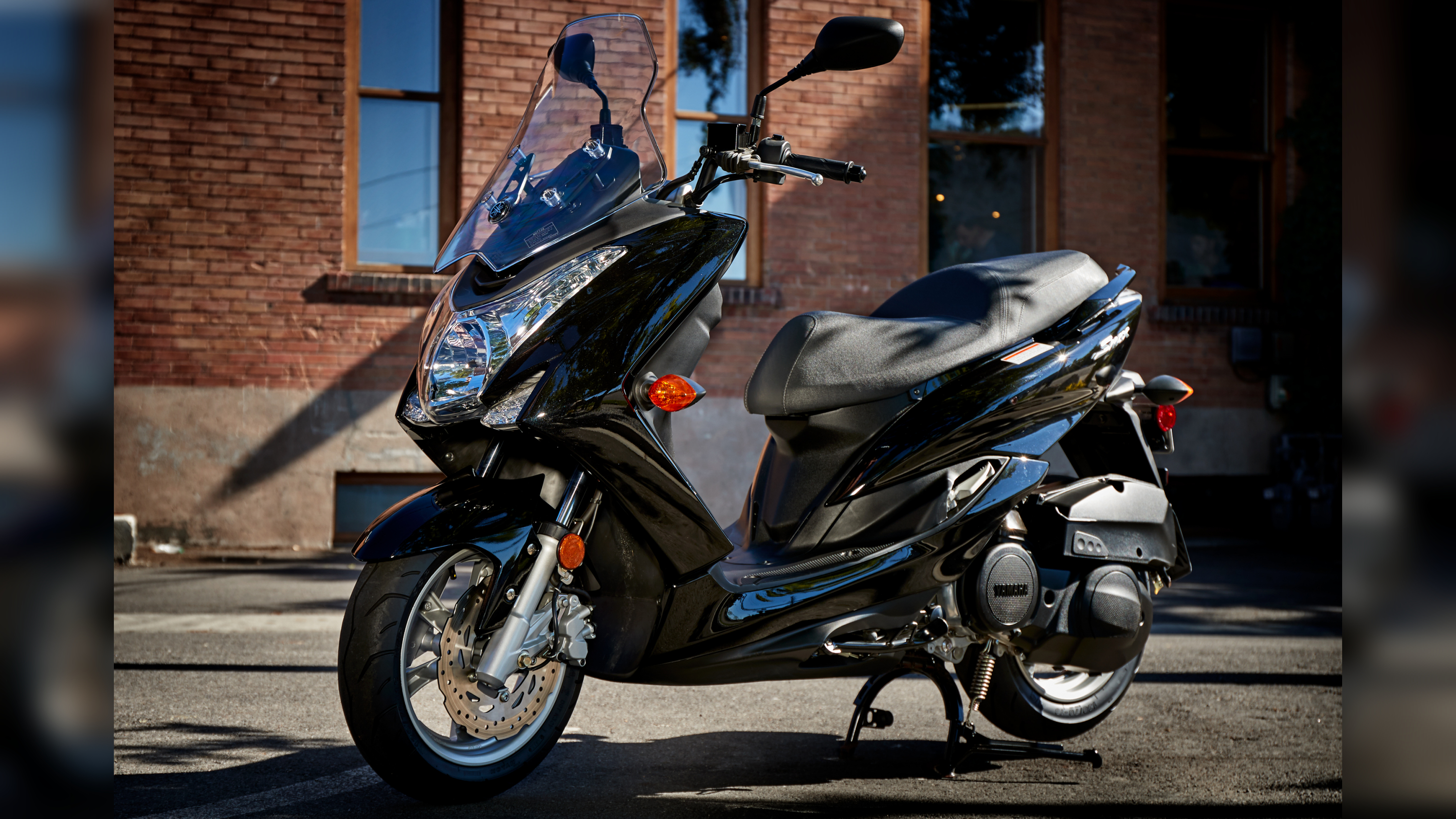 2016 2018 yamaha smax review top speed. Black Bedroom Furniture Sets. Home Design Ideas