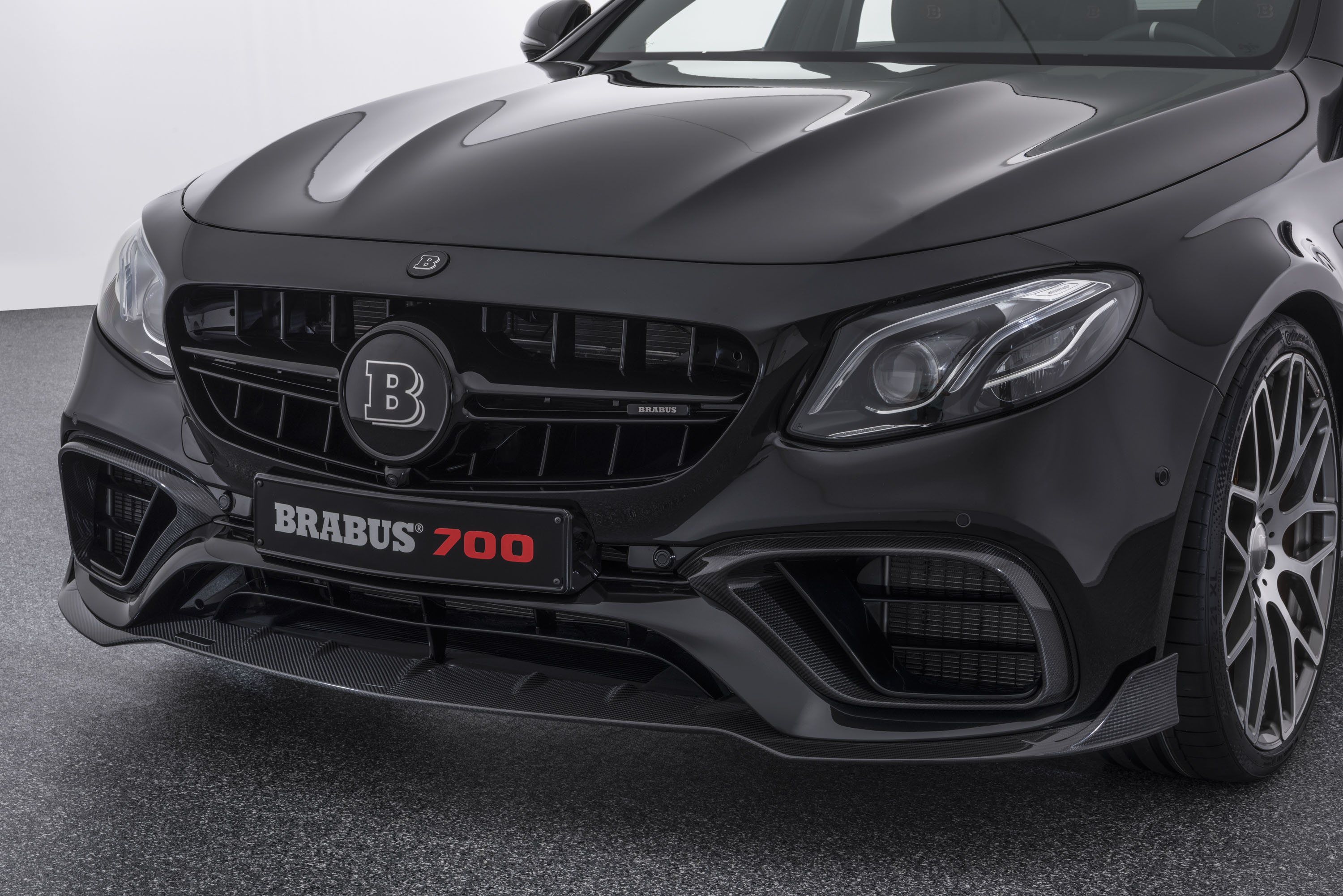 2017 Mercedes-AMG E63 Brabus 700 | Top Speed