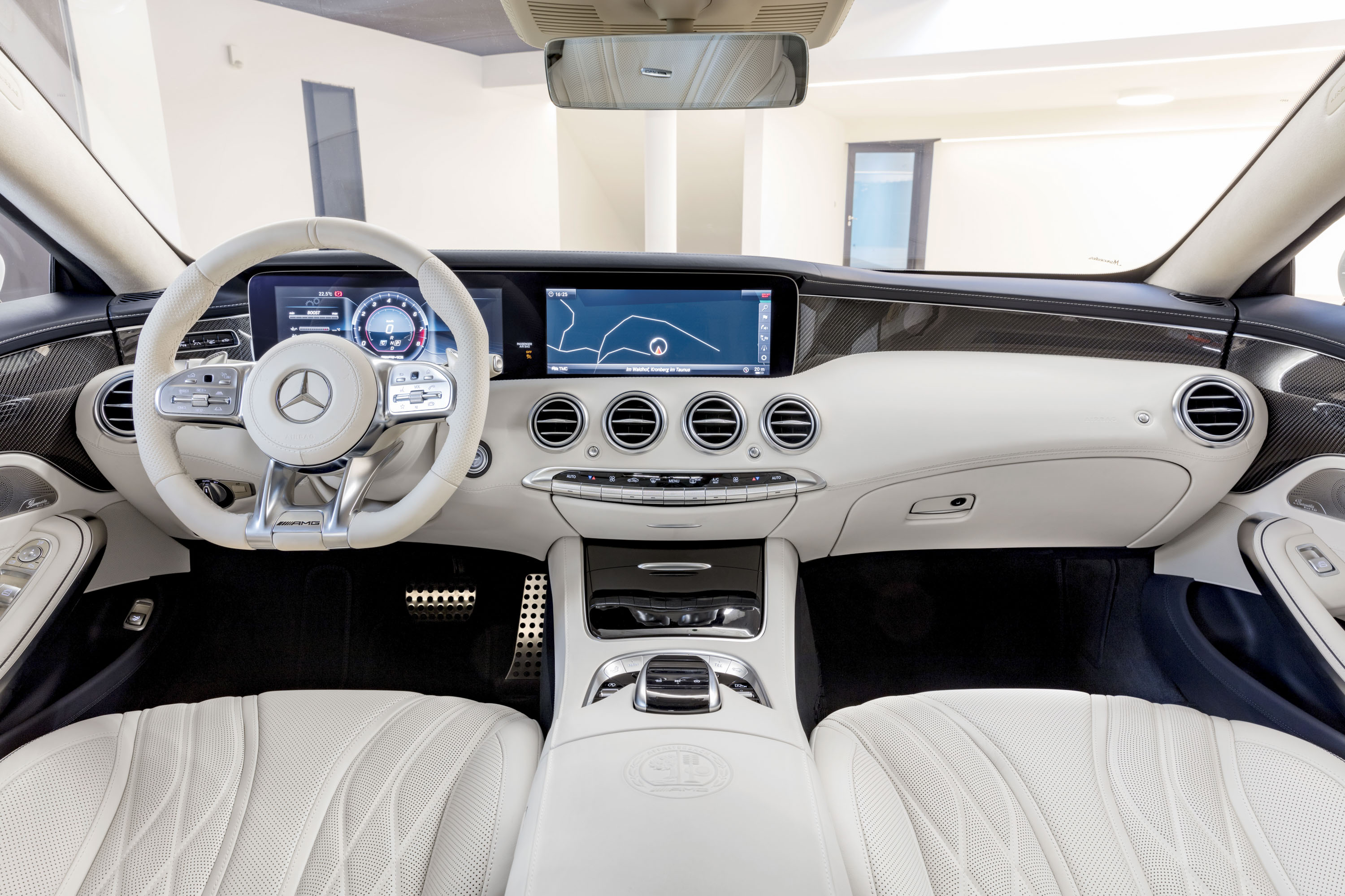https://pictures.topspeed.com/IMG/jpg/201709/mercedes-amg-s63-cou-3.jpg