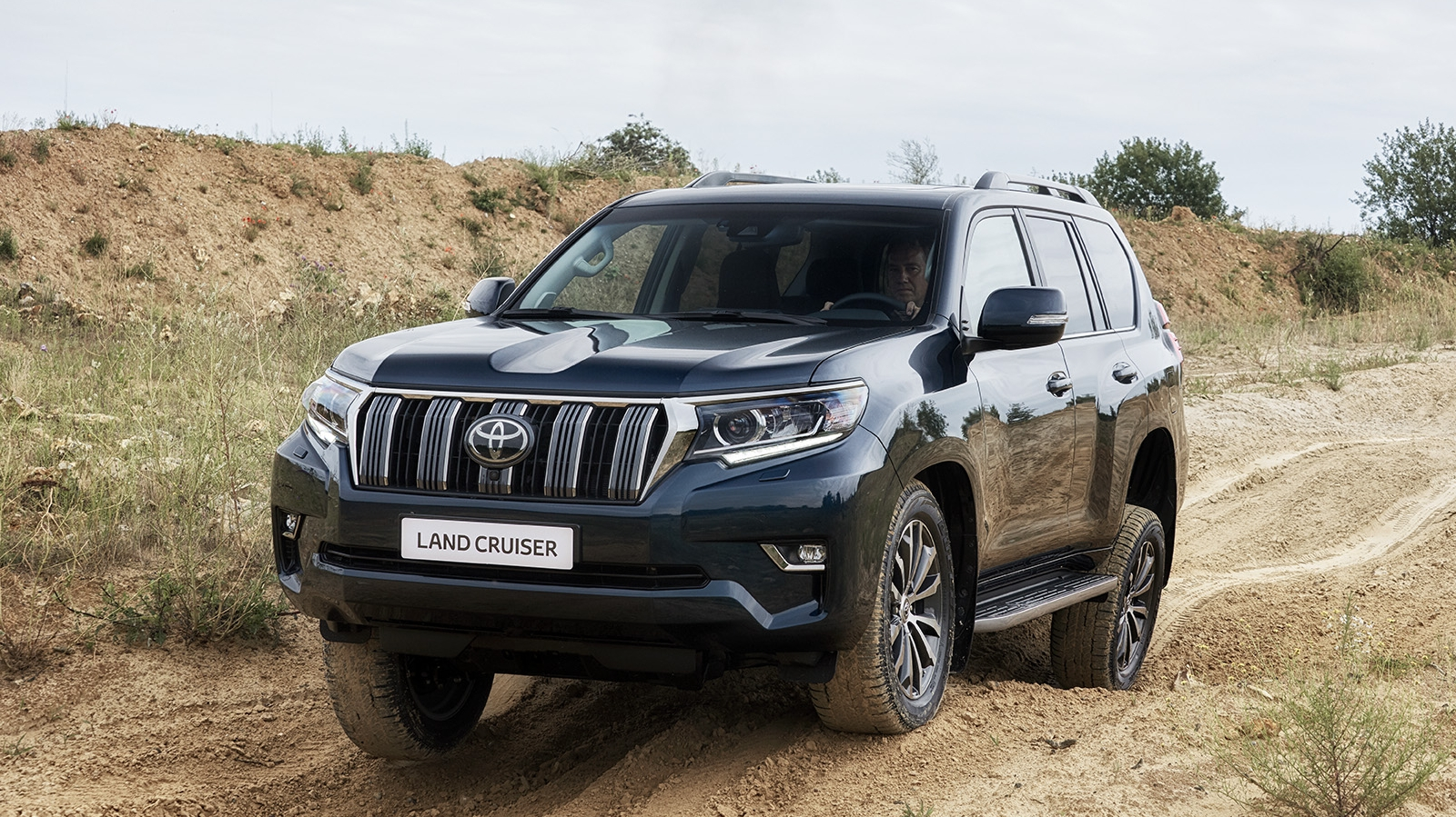 Toyota Land Cruiser Reviews, Specs, Prices, Photos And Videos | Top Speed. »