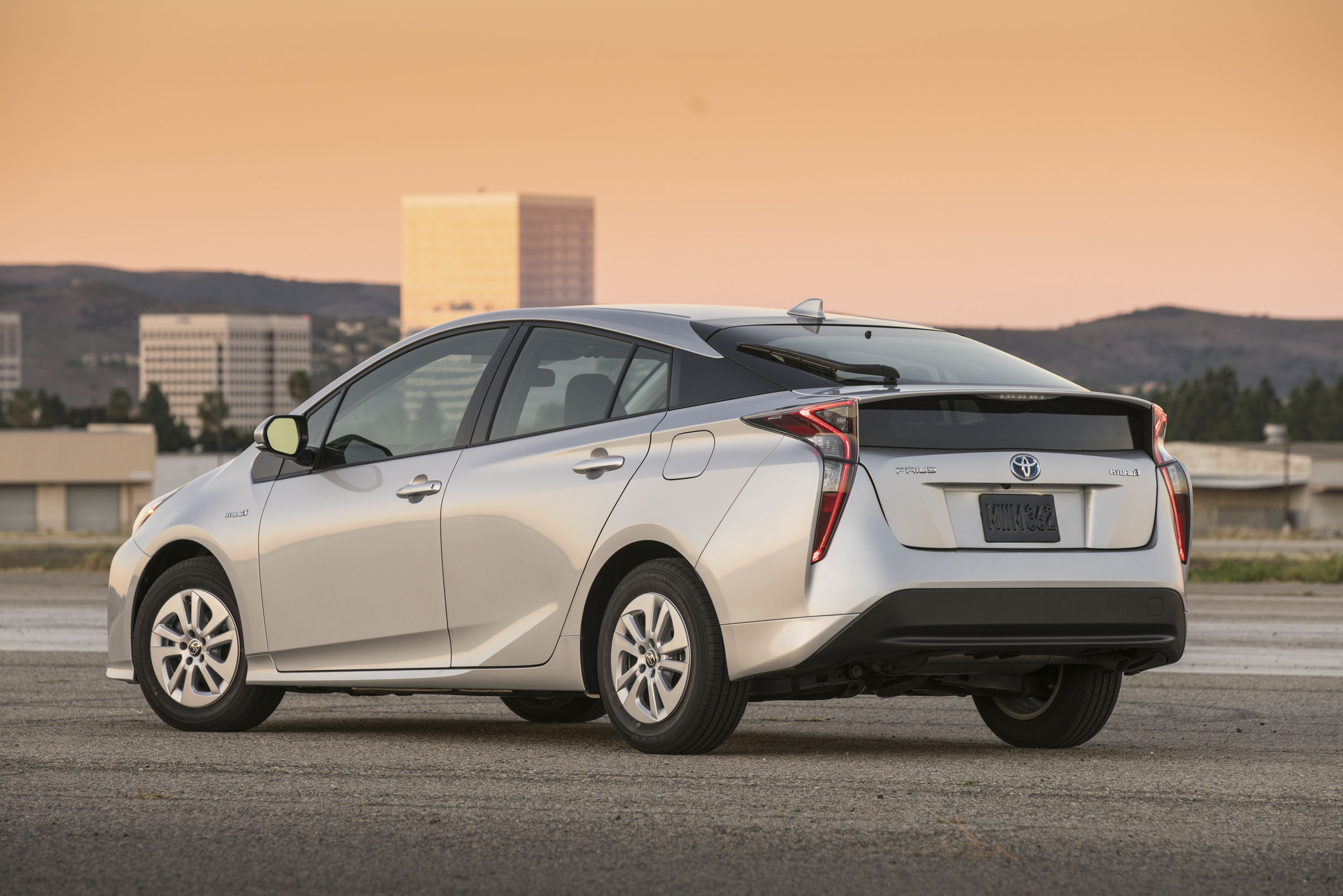 news look toyota taillight review first badge and prius