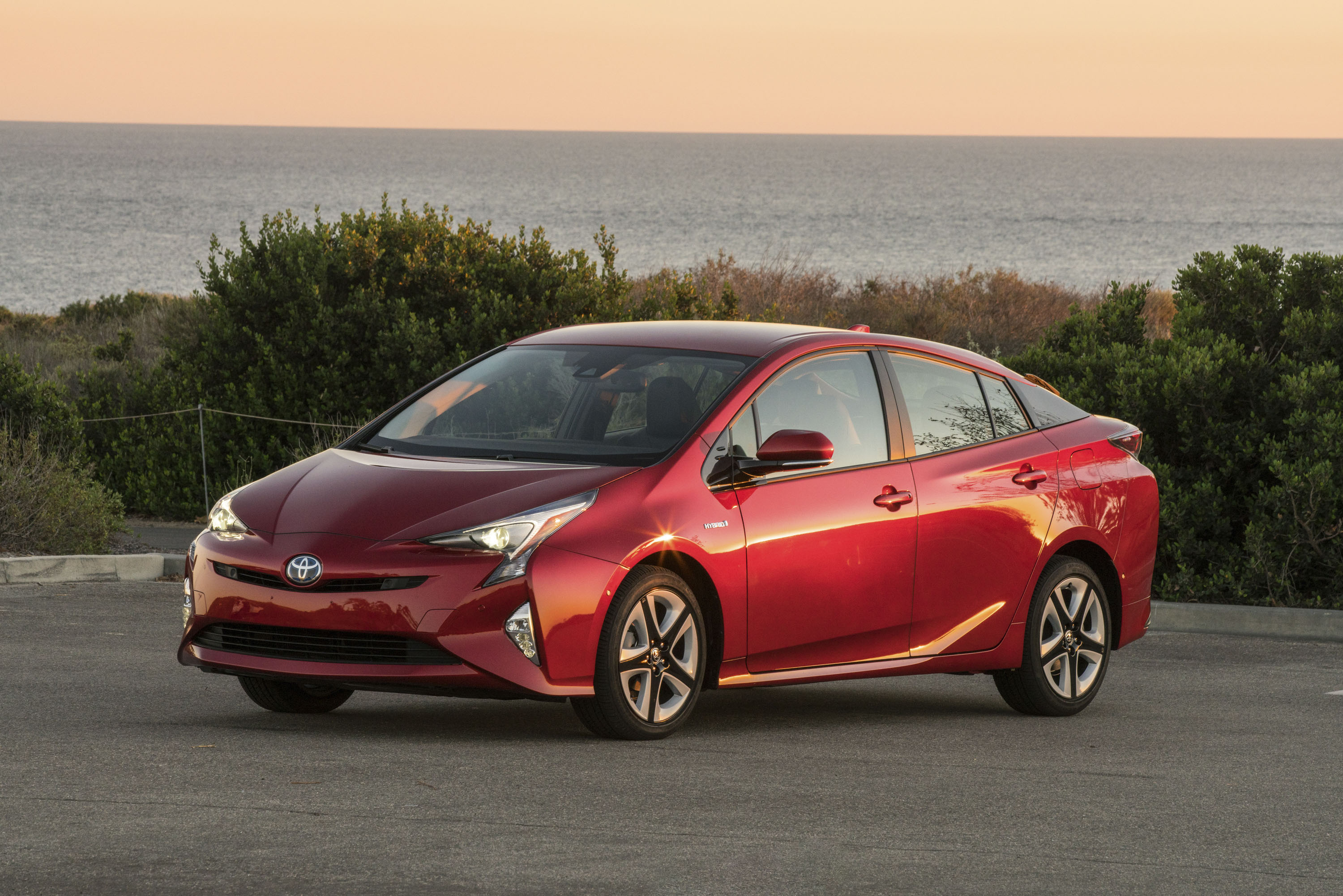 Rumor: Toyota Finally Realizes That The Prius Is Ugly; Plans ...