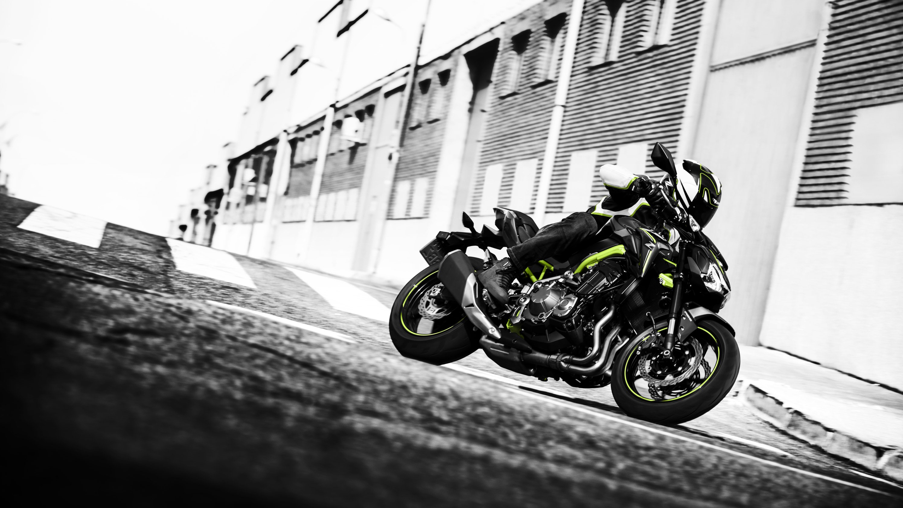 Kawasaki Steps Up Its Bid To Grab A Slice Of The Growing Naked Bike Market With Z900 ABS As Demand For Genre Increased So Have Expectations