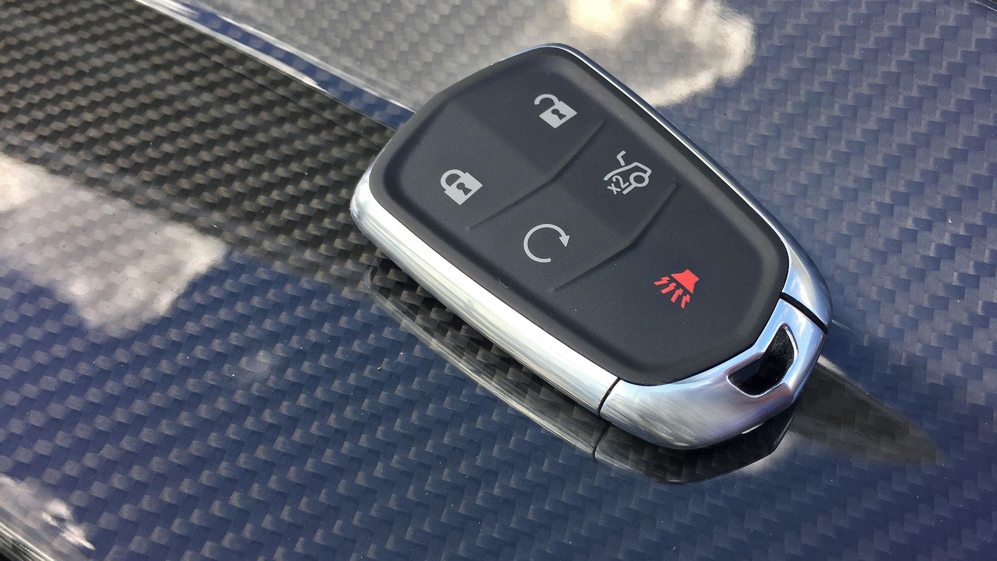 Even Cadillac S Key Feels High Class Pictures Photos Wallpapers