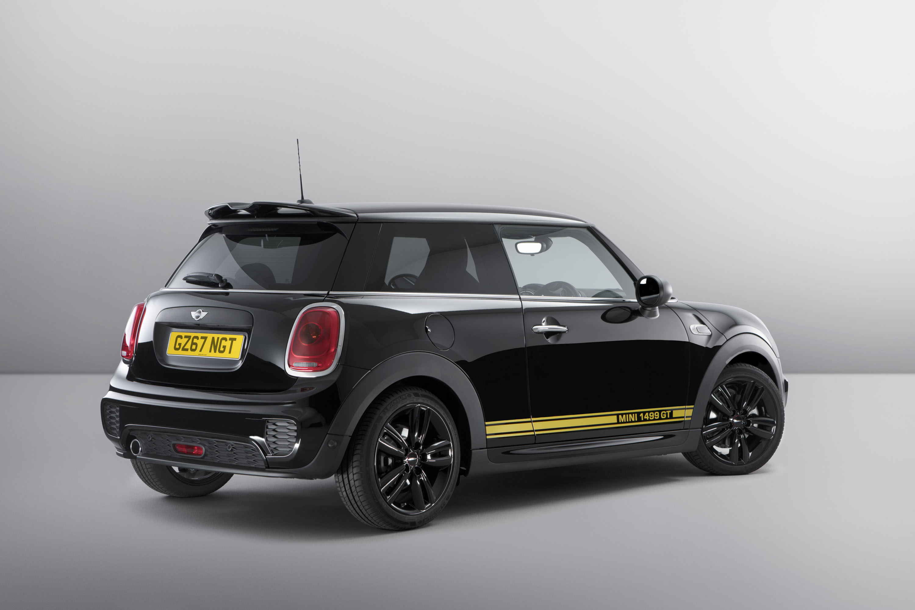 2017 Mini Cooper 1499 GT | Top Speed. »