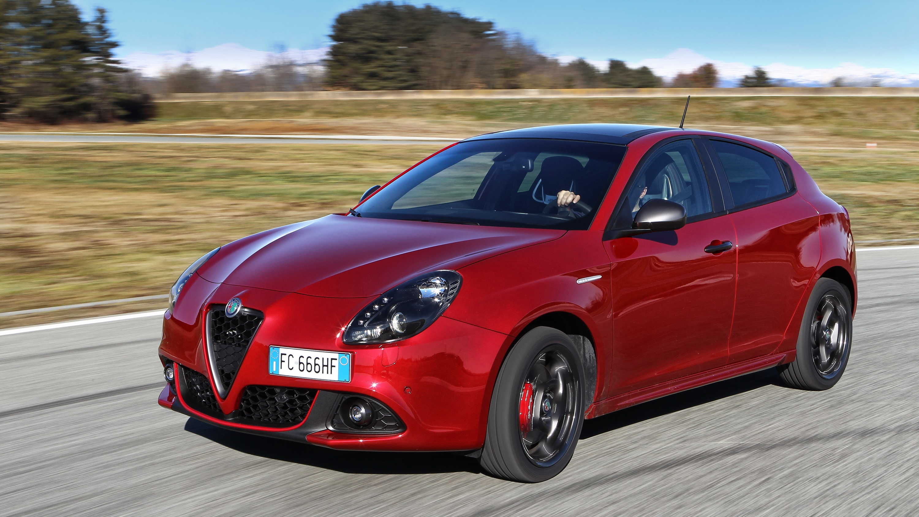 This Alfa Romeo Model May Not Be Dead Yet | Top Sd