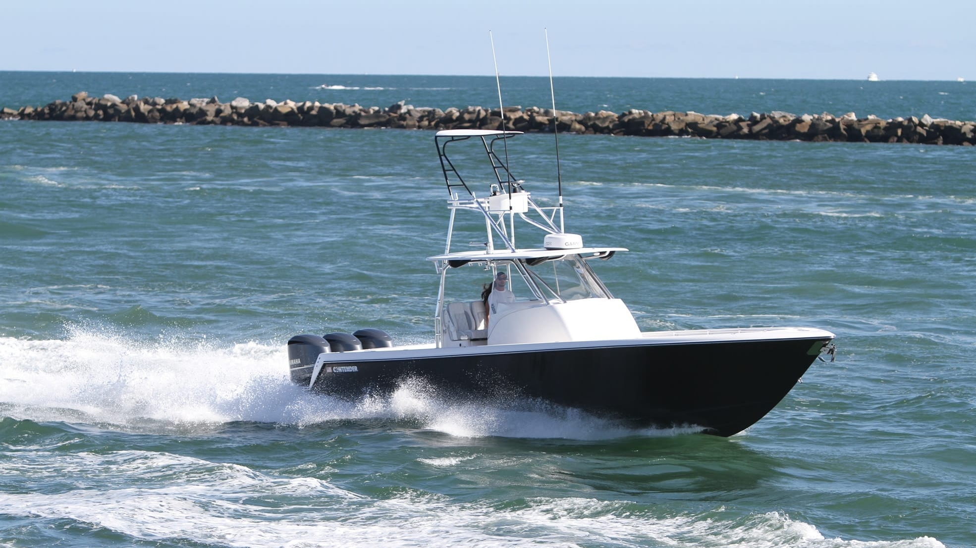 2017 contender 39 fisharound pictures photos wallpapers for Best fishing boats 2017