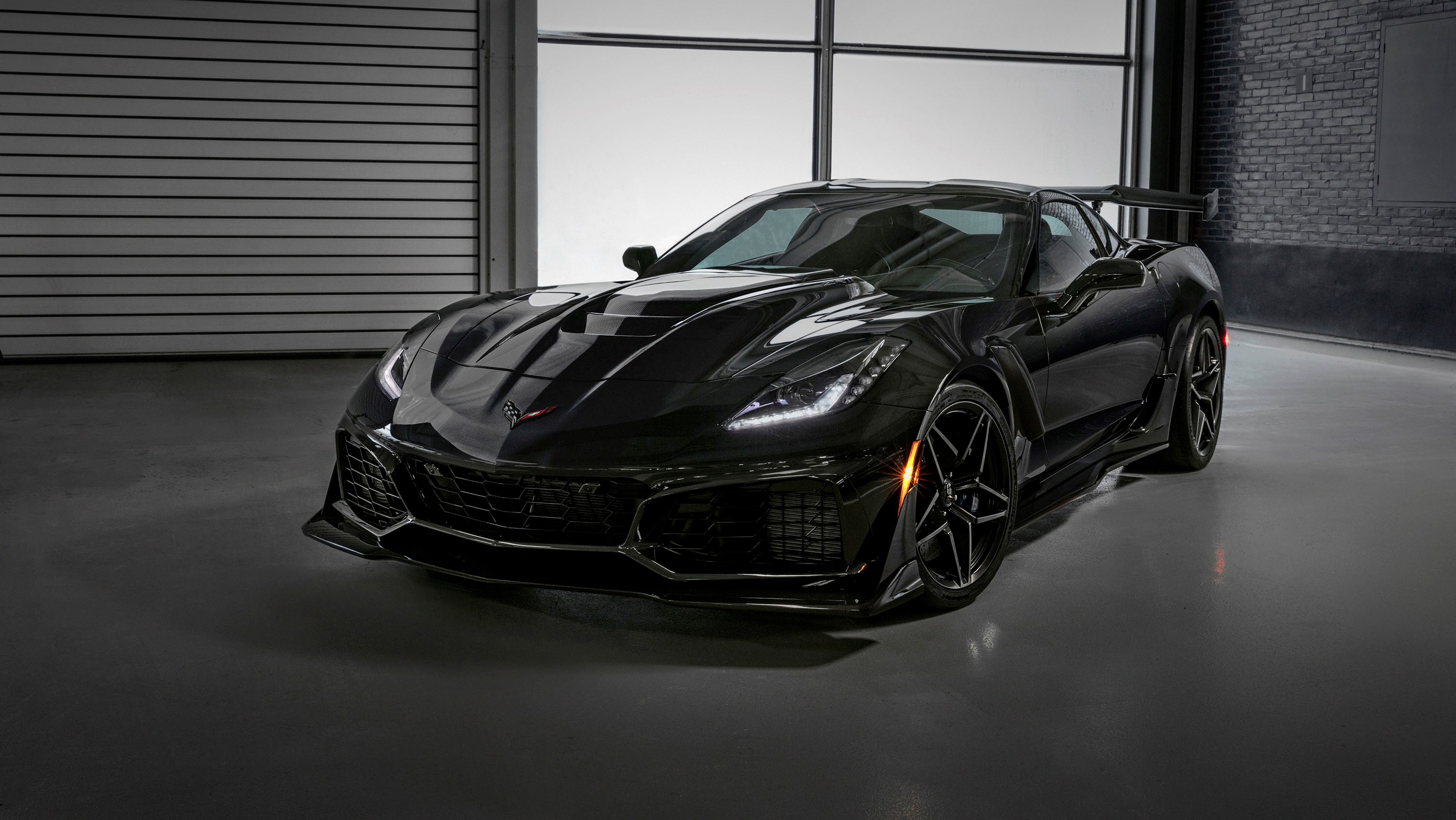 first chevrolet corvette zr1 will be auctioned for charity in january pictures photos. Black Bedroom Furniture Sets. Home Design Ideas