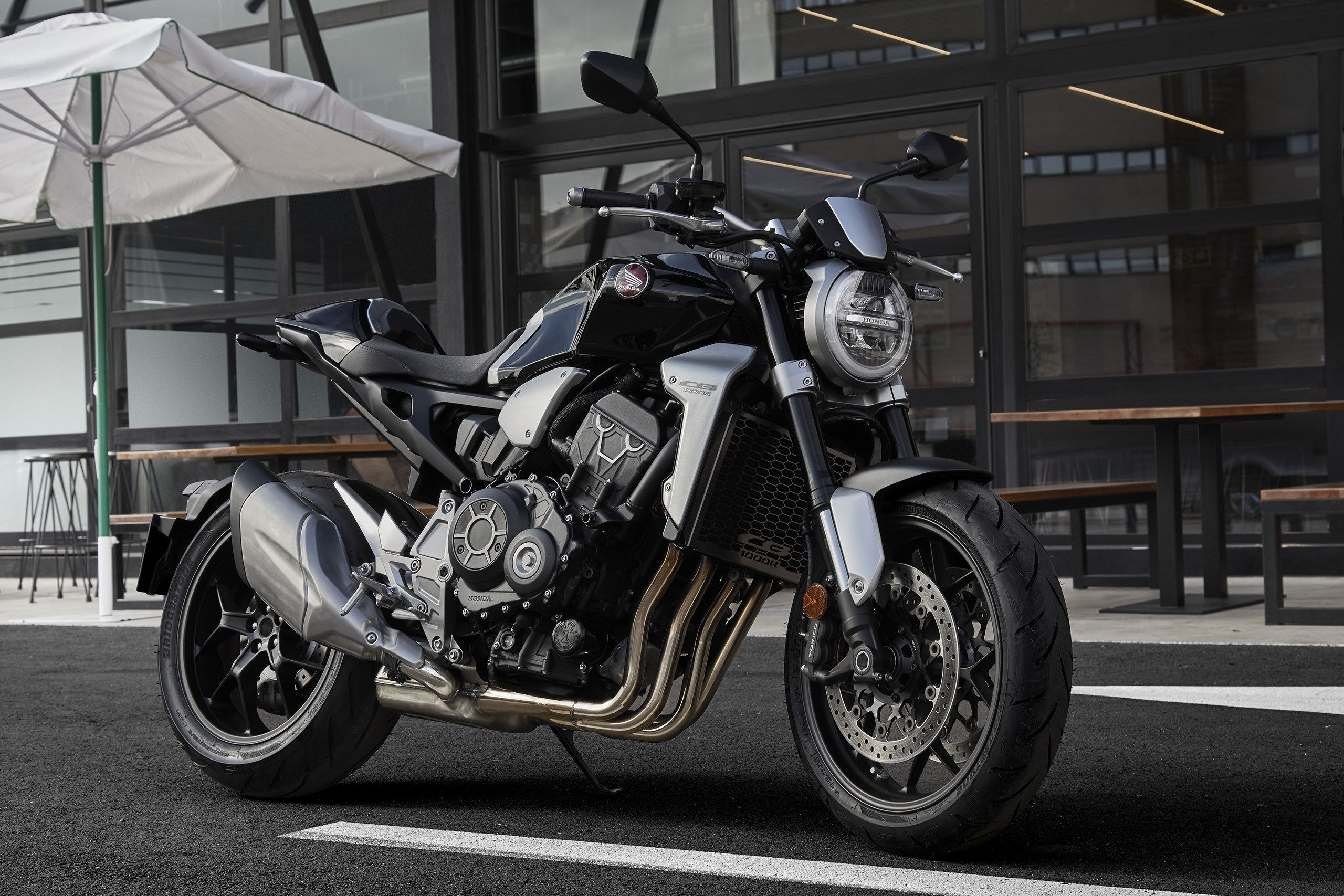 honda 39 s neo sport cafe is now the cb1000r naked retro top speed. Black Bedroom Furniture Sets. Home Design Ideas