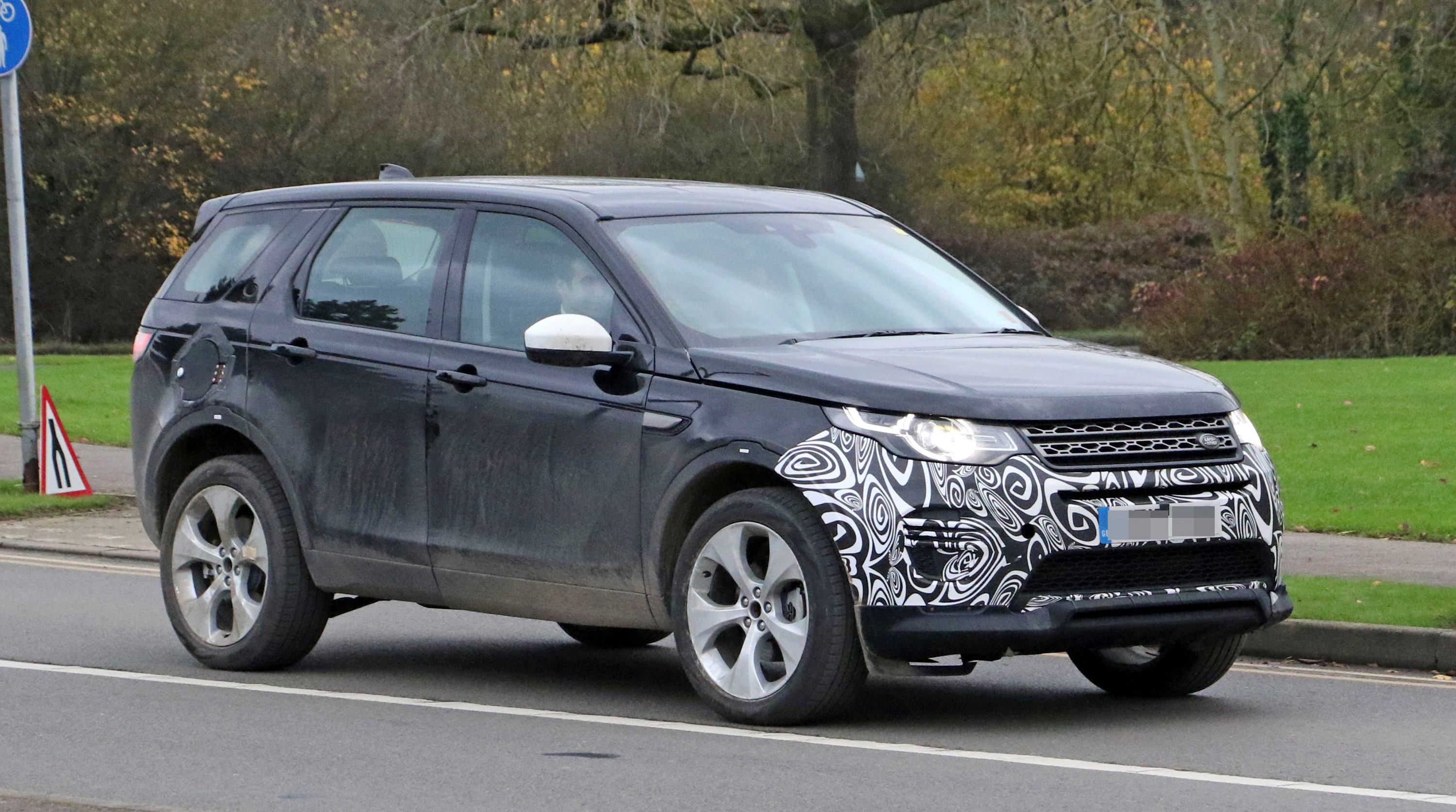 2020 Land Rover Discovery Sport Review - Top Speed
