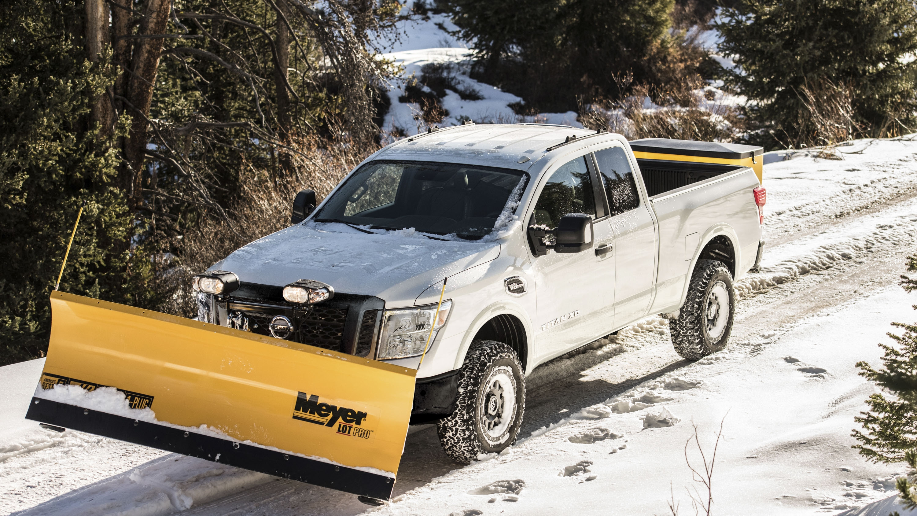 nissan titan xd snow plow package is ready for a white. Black Bedroom Furniture Sets. Home Design Ideas