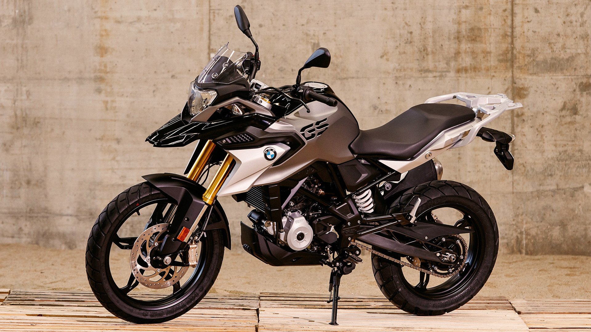 2017 - 2018 BMW G 310 R / G 310 GS Pictures, Photos ...