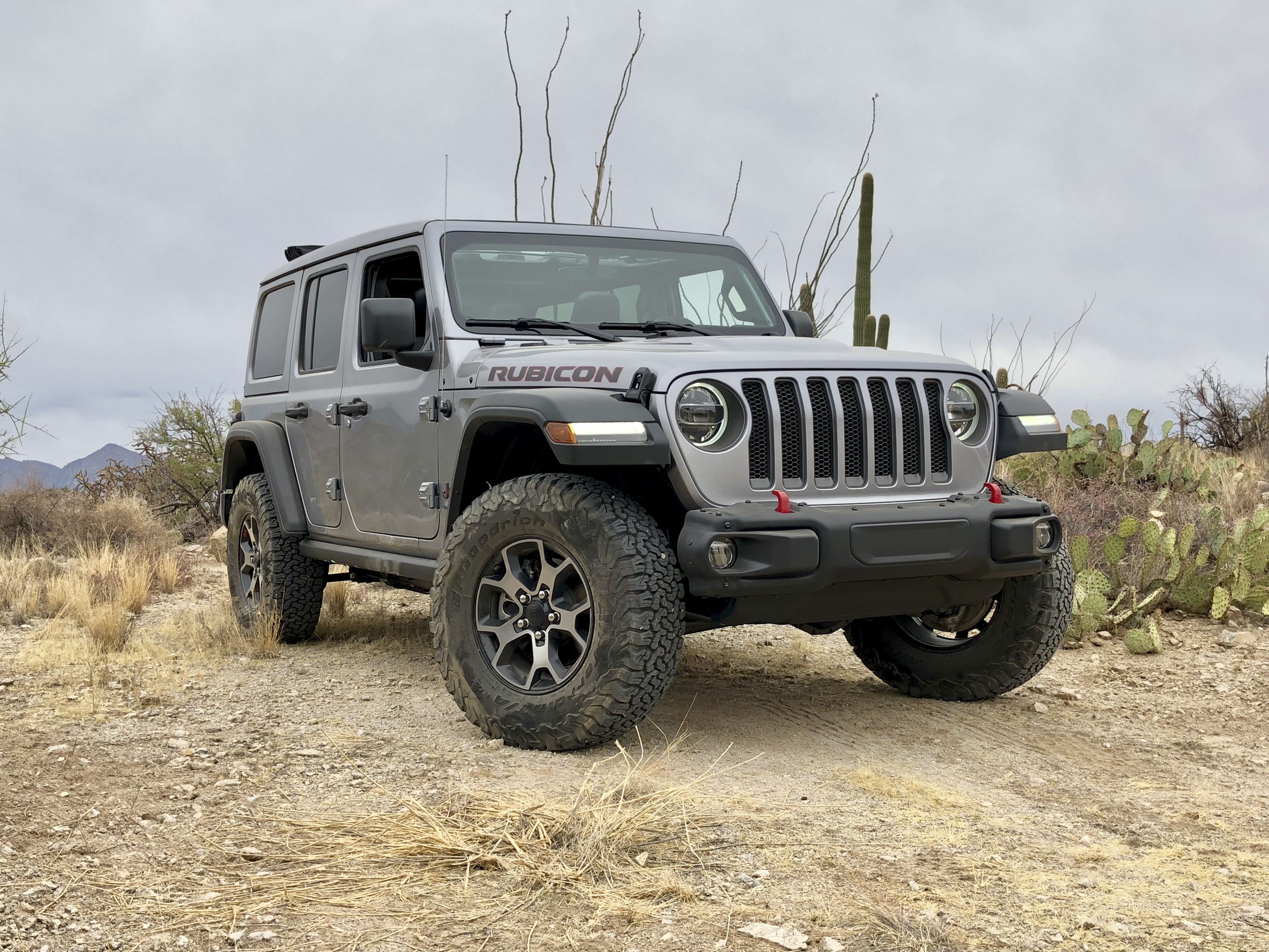 What Separates The Rubicon From The Wrangler's Other Trims   Top Speed. »