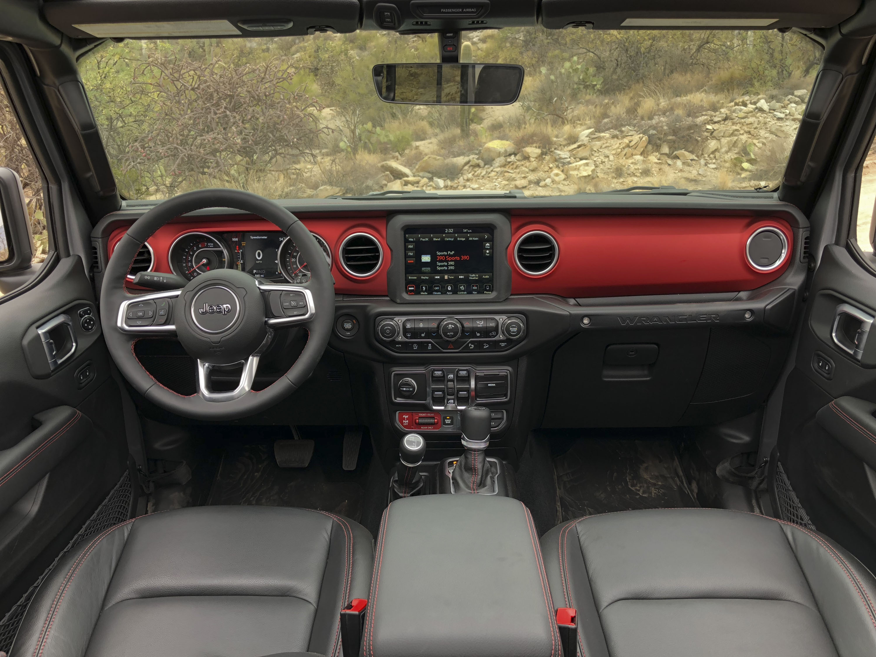 A Detailed Look At The 2018 Jeep Wrangler's Dashboard | Top Speed. »