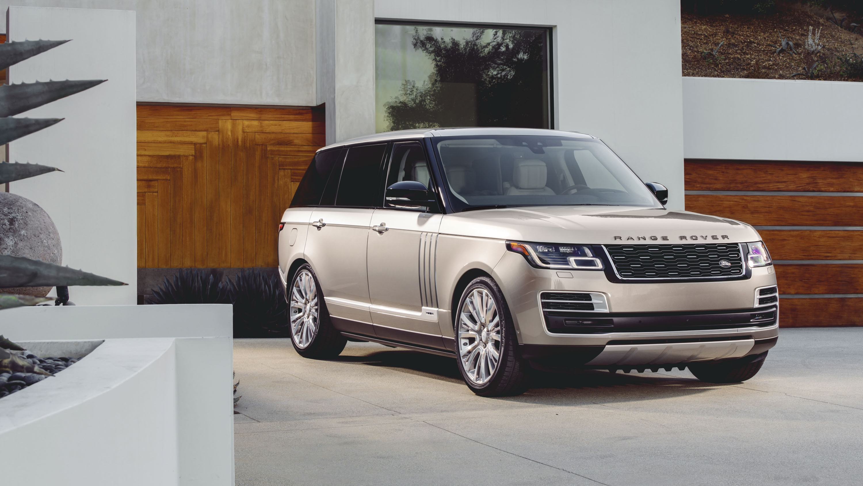 2018 Land Rover Range Rover SVAutobiography Pictures, Photos, Wallpapers.