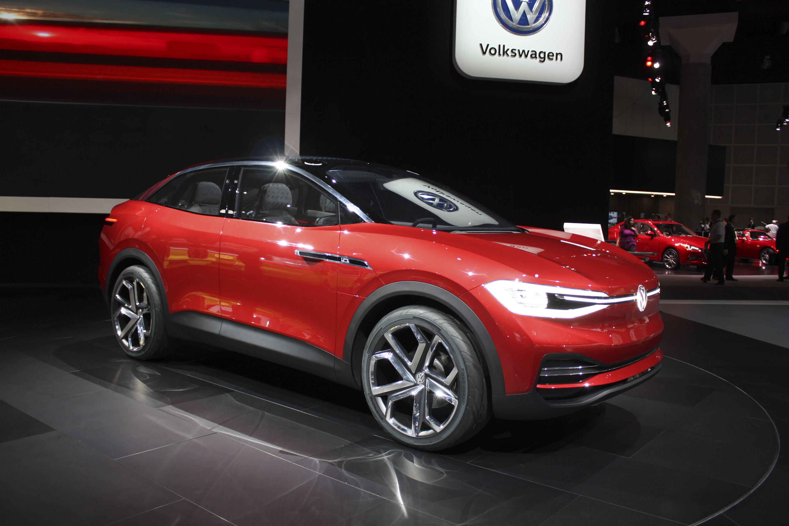 Volkswagen Id Crozz Concept To Hit Us Market In 2020 Top Speed Electric Karmann Ghia Los Angeles