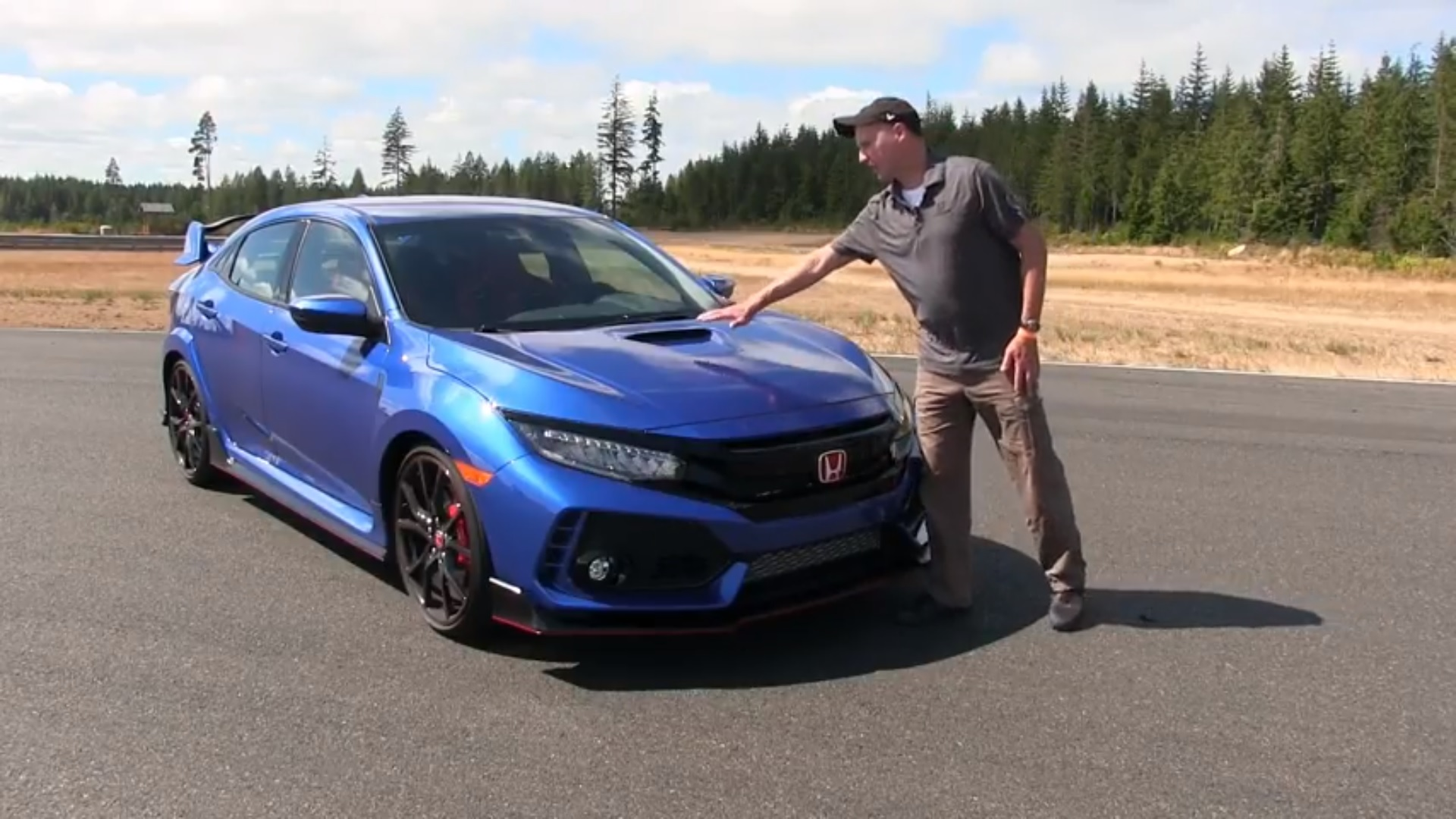 watch how honda manages air on the 2017 civic type r top speed. Black Bedroom Furniture Sets. Home Design Ideas