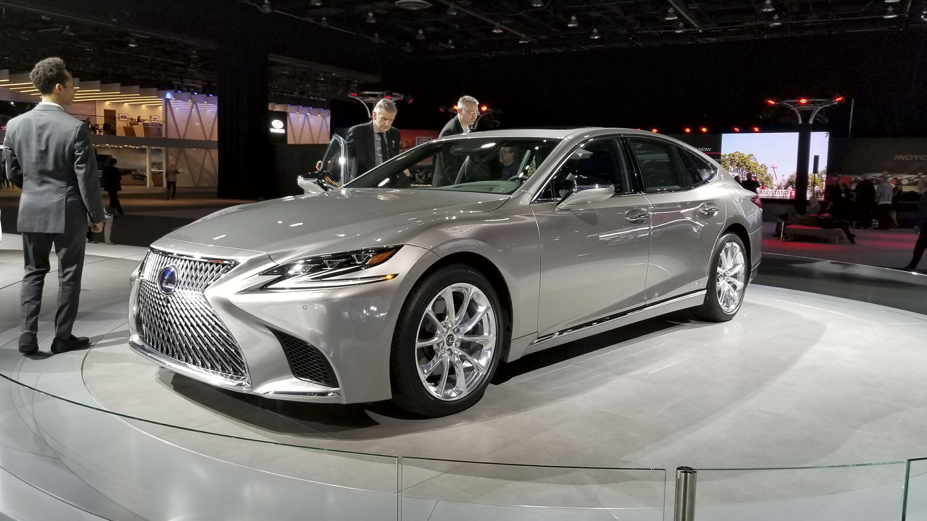 2018 lexus ls pricing unveiled in detroit significantly more affordable than mercedes s class. Black Bedroom Furniture Sets. Home Design Ideas