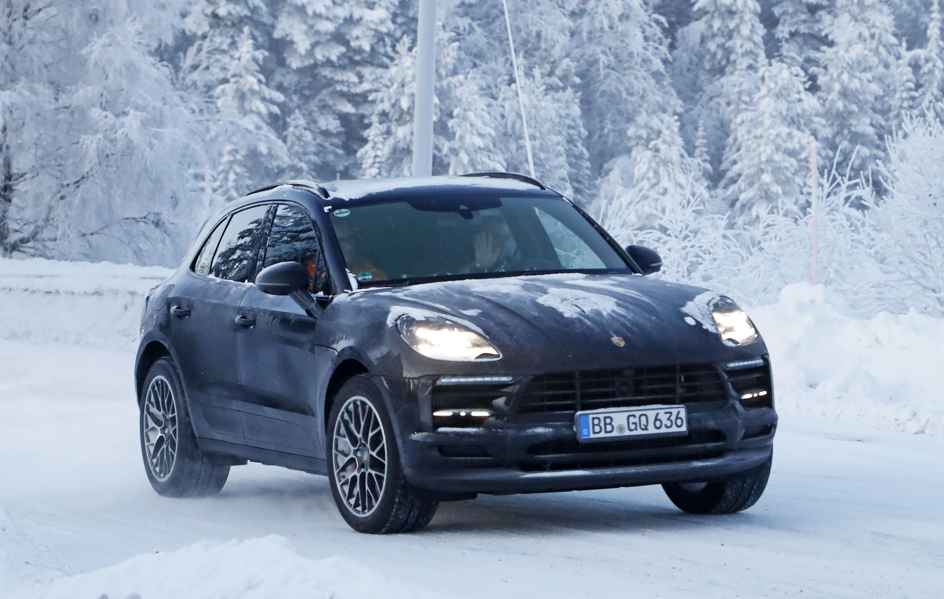 2018 Porsche Macan | Top Speed