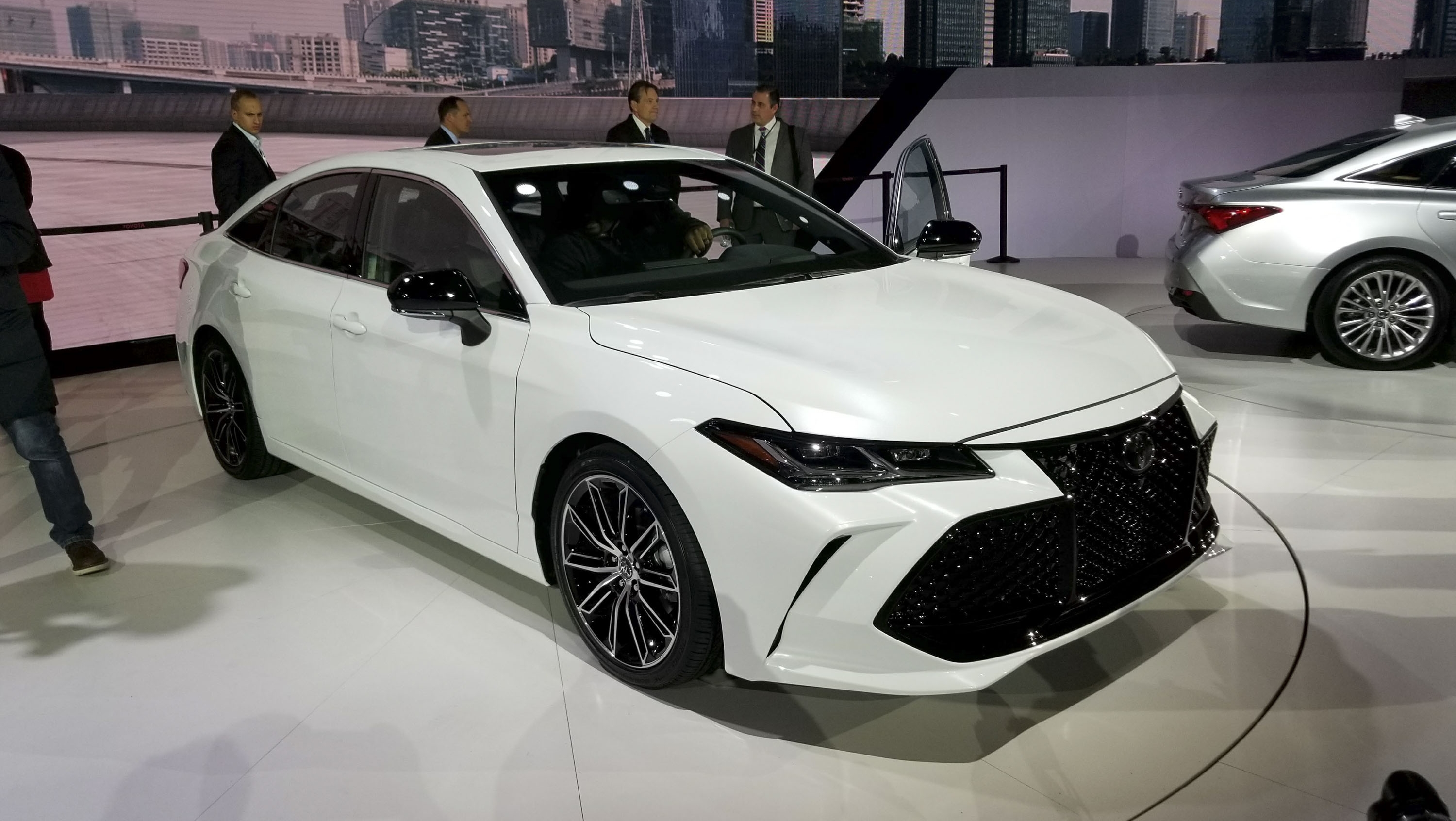 Toyota Sienna 2018 >> 2019 Toyota Avalon Gets More Aggressive, Boasts New Tech At Detroit Pictures, Photos, Wallpapers ...