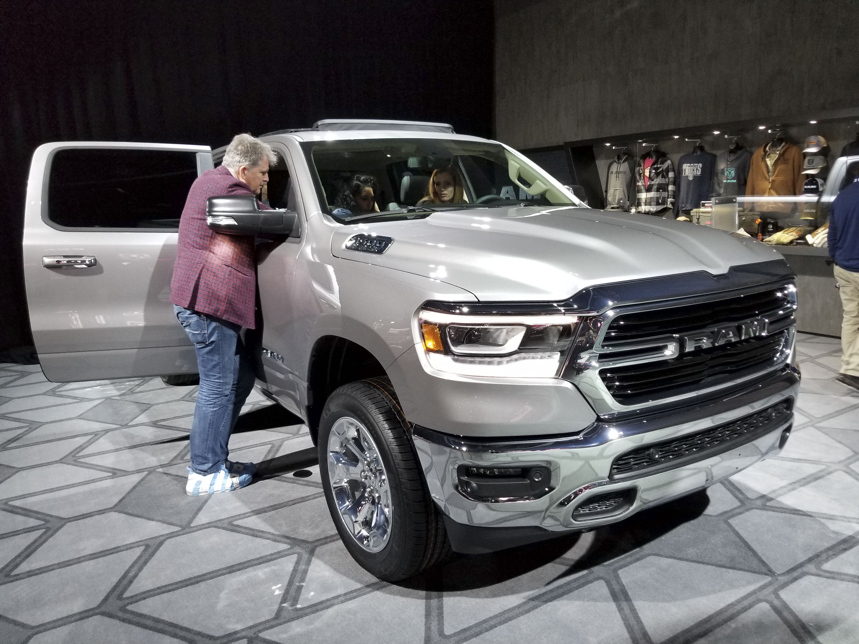 All-New 2019 Ram 1500 Steals The Show At Detroit Pictures ...